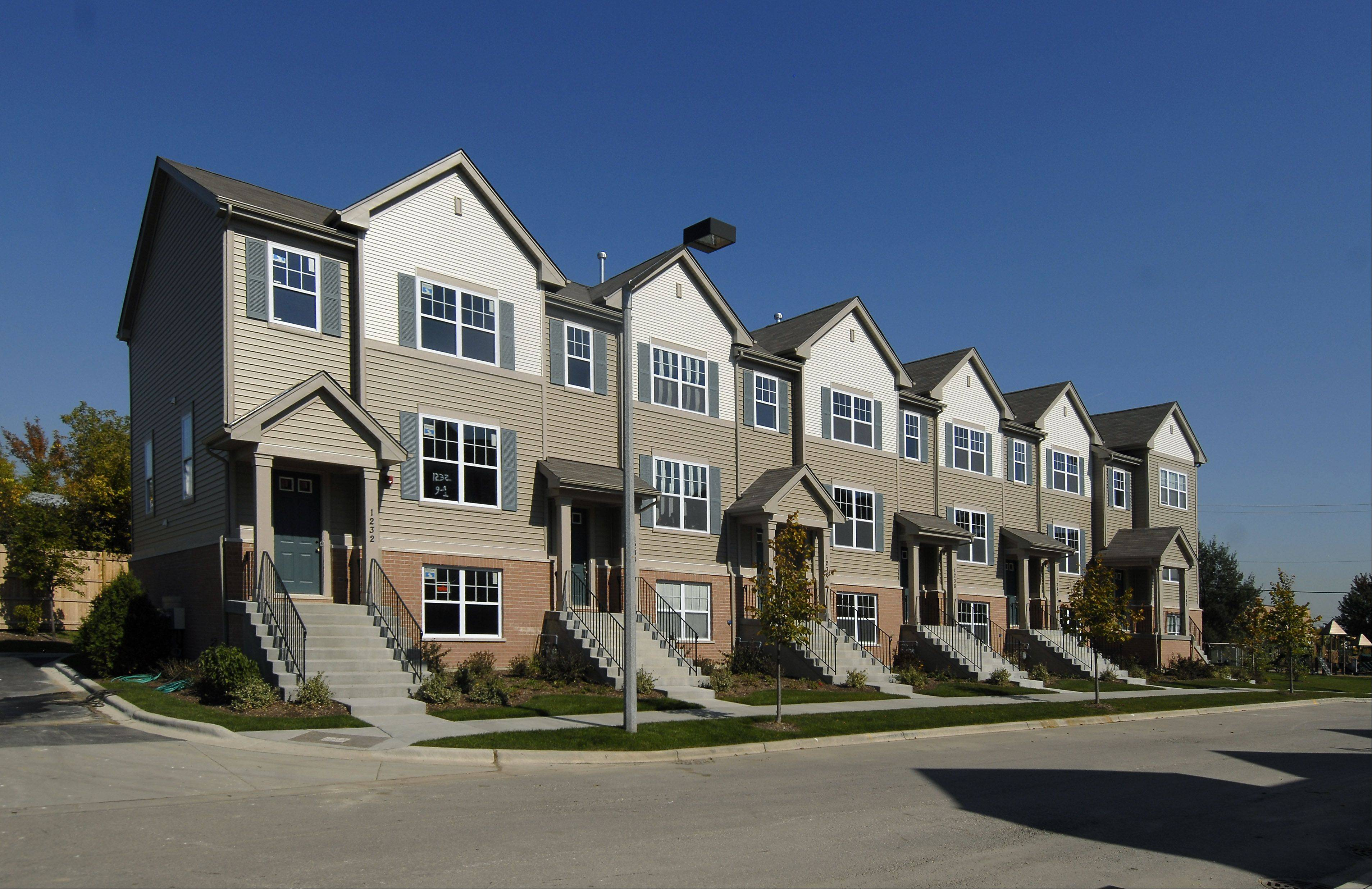 At the Lexington Park townhouse development in Des Plaines, Lexington Homes offers several incentives for spring.