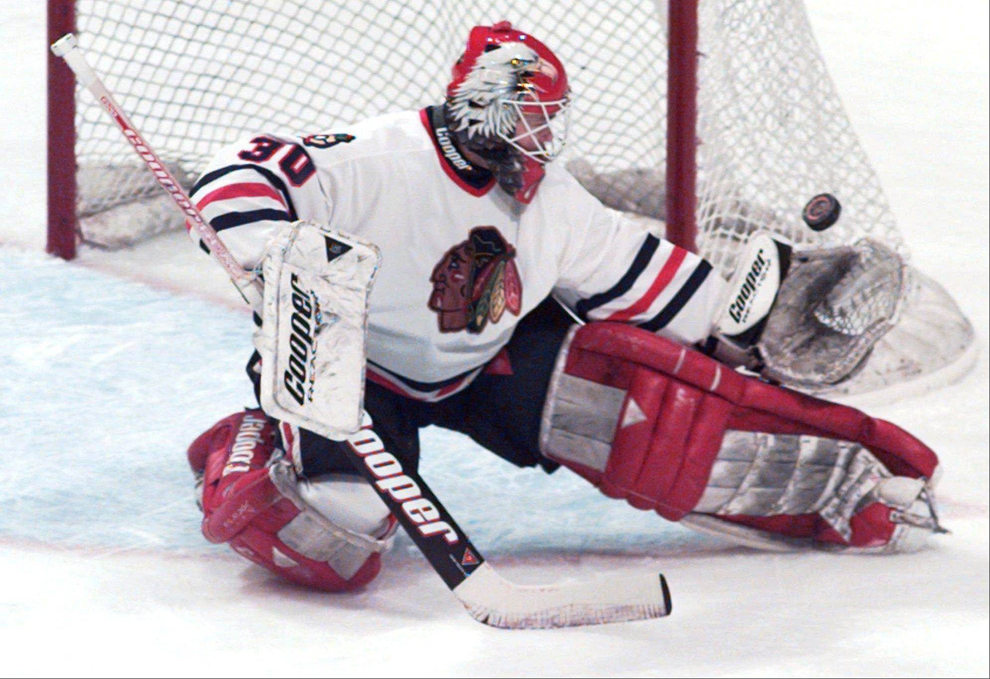 Former Chicago goalie and Hockey Hall of Fame member Eddie Belfour will be honored Sunday night by the Blackhawks.