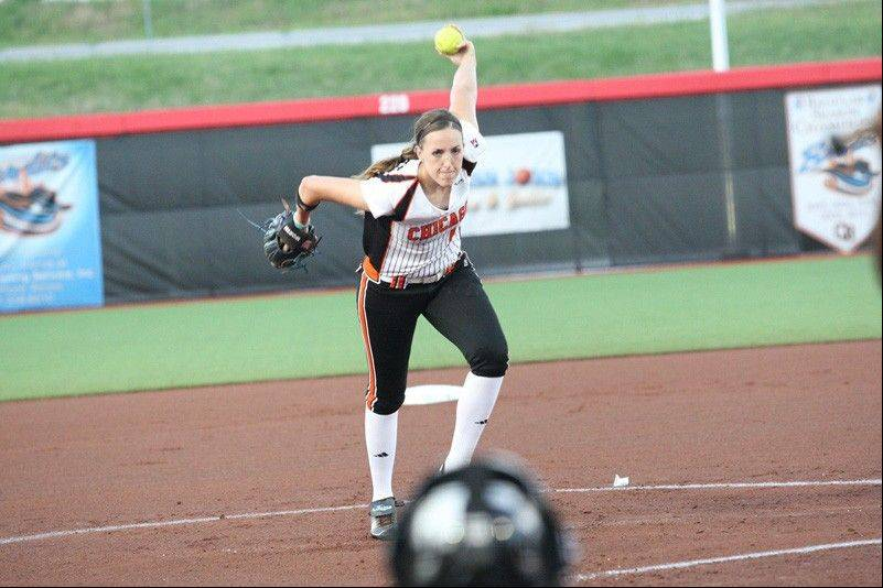 After tossing a perfect game and leading the Chicago Bandits to a playoff championship, NPF ace Monica Abbott has decided to return to Chicago for her second season with the Bandits.