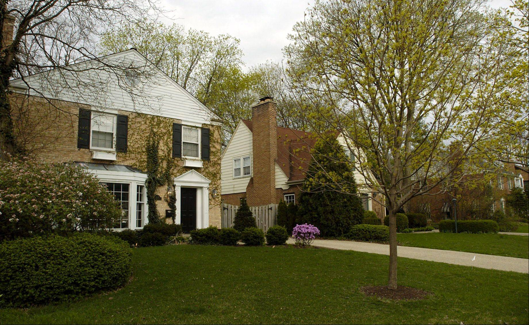 Homes along Belmont Avenue east of Arlington Heights Road are in the Scarsdale neighborhood.