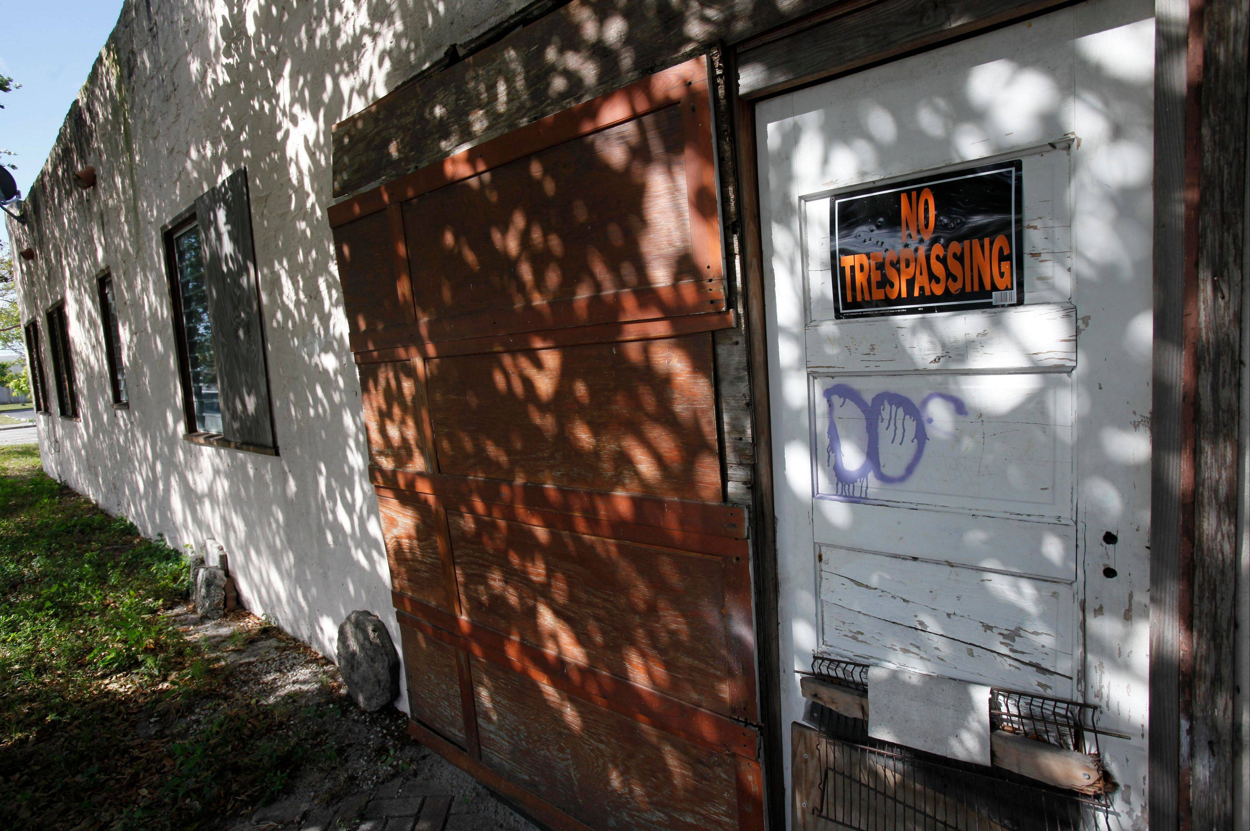 Thrashed by the mortgage and foreclosure disaster, Florida has thousands of distressed properties. But figuring out just how many is not so simple. Each month, analysts issue reports detailing the number of homes nationwide in foreclosure or held by banks. The implication is that if we can just find a cure for these loans and homes, either by matching buyers with houses or helping the borrowers stay put, the economy will at last be able to heal.
