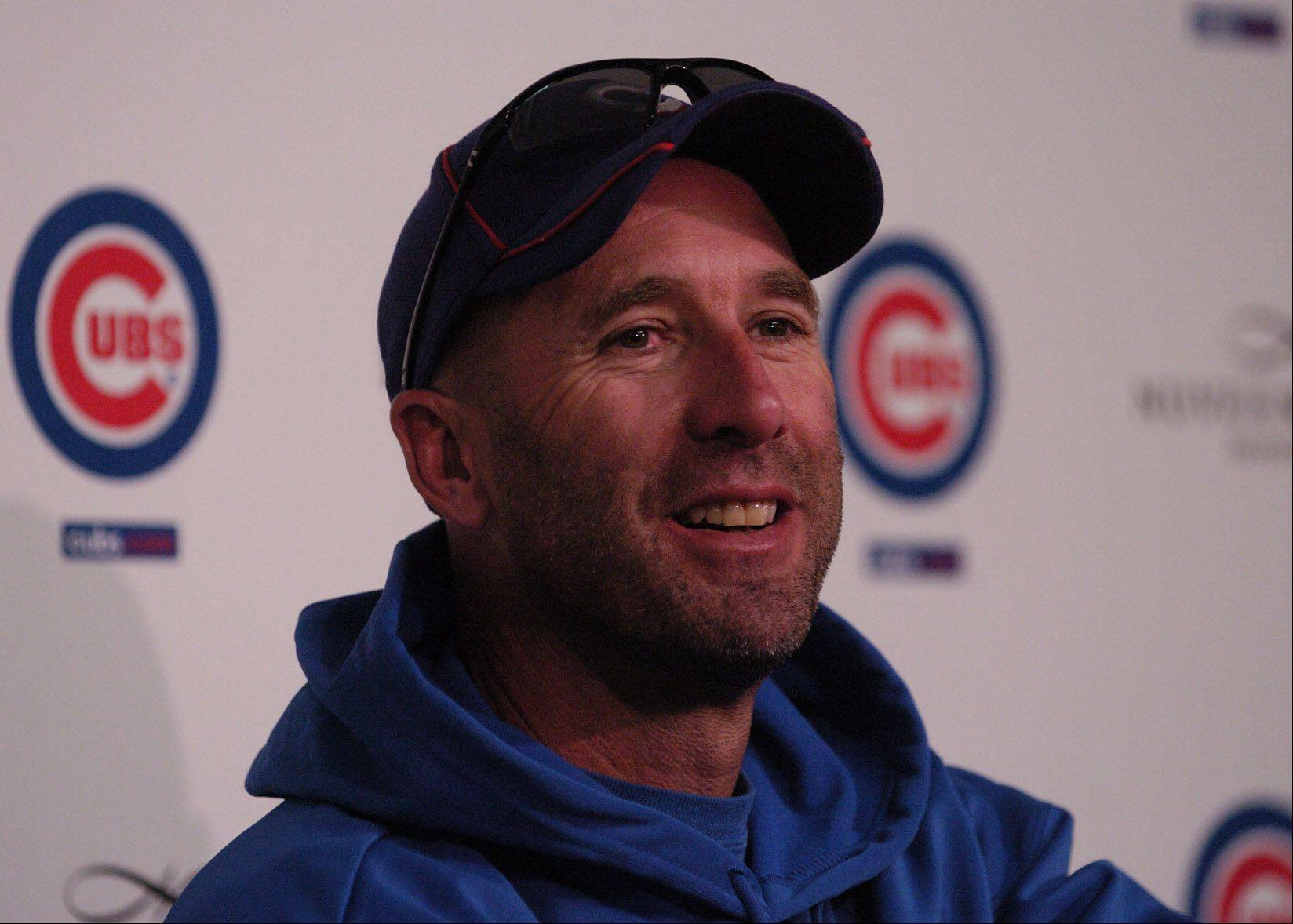New manager Dale Sveum cracks a smile during a press conference.