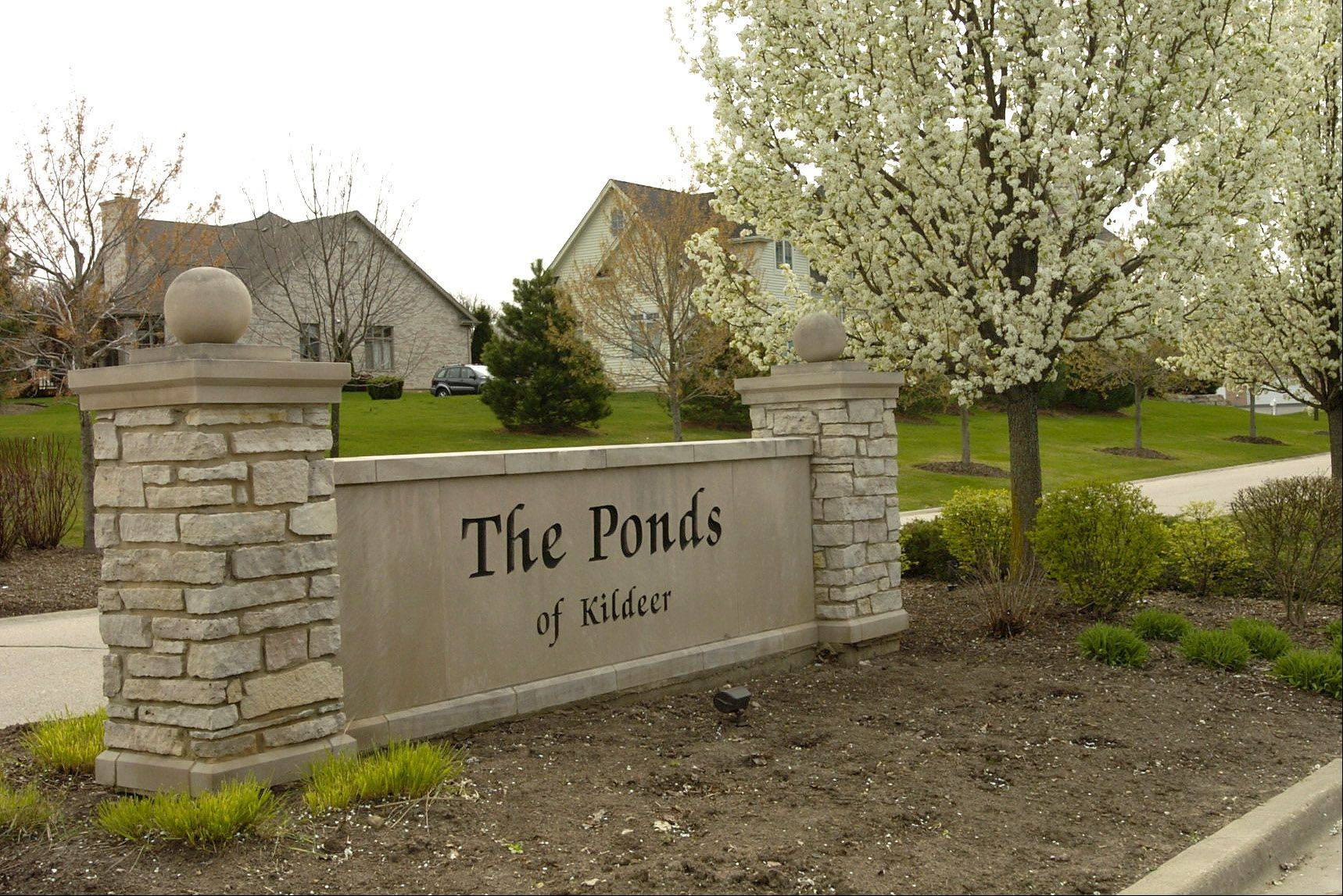 Residents living in The Ponds of Kildeer enjoy large lots and an abundance of open space.