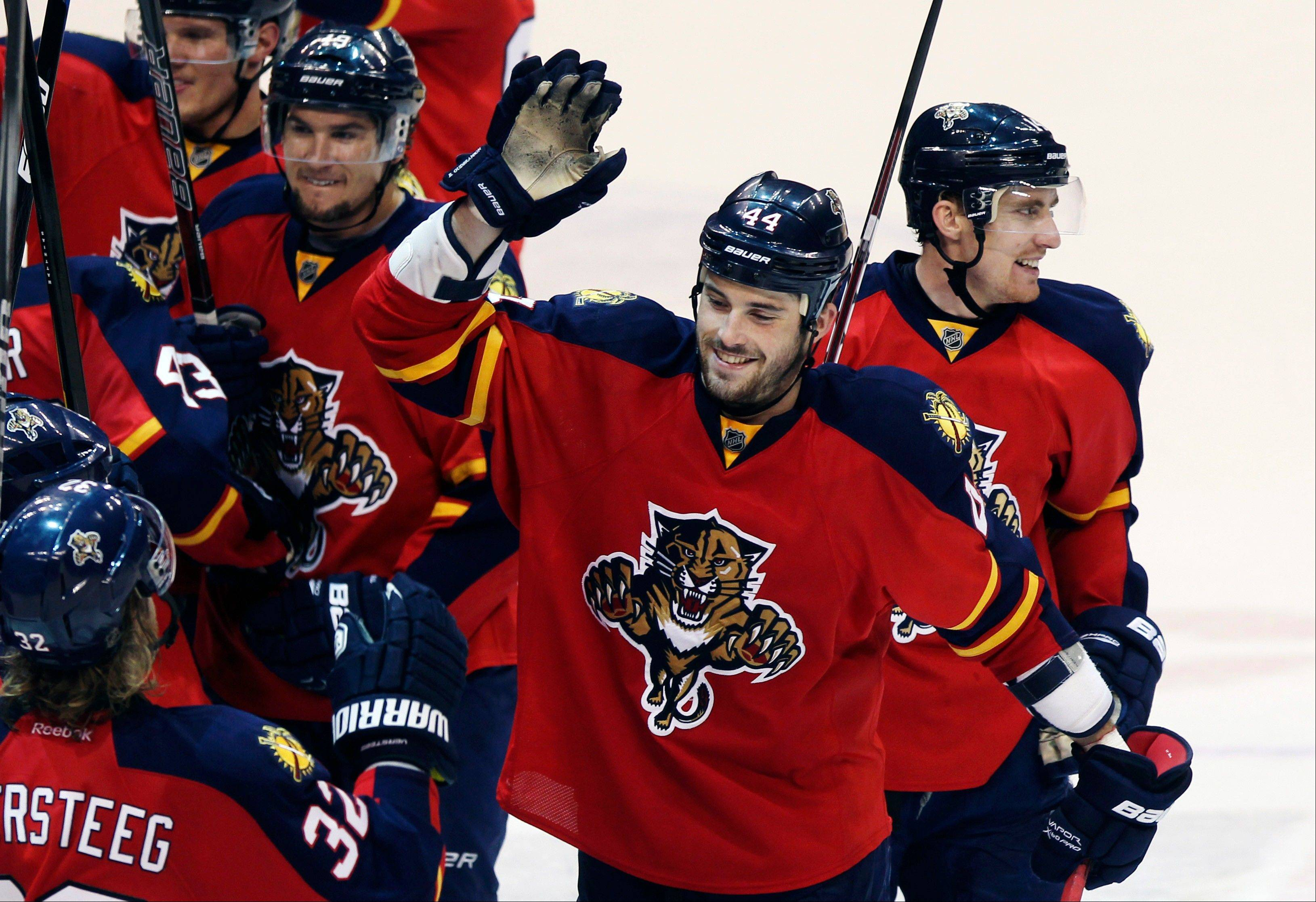 Panthers win division, draw Devils in Round 1