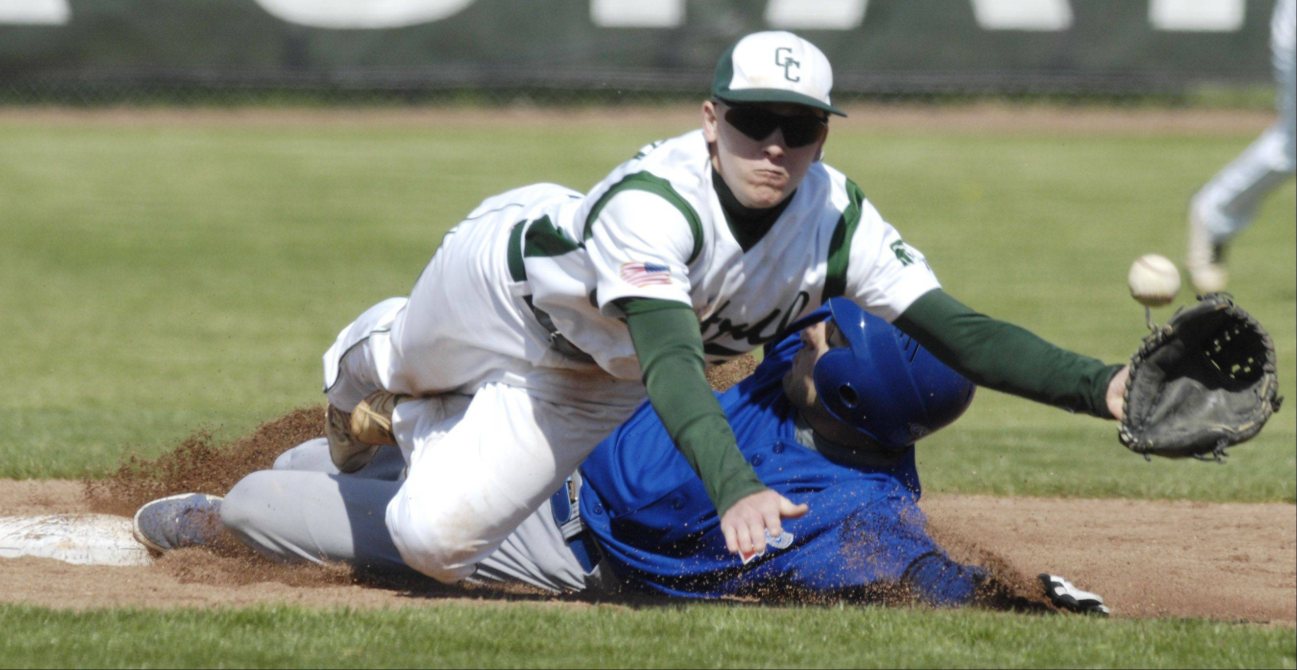Graylake Central's Jay Kleinofen dives for the ball during Saturday's baseball game against Lakes.