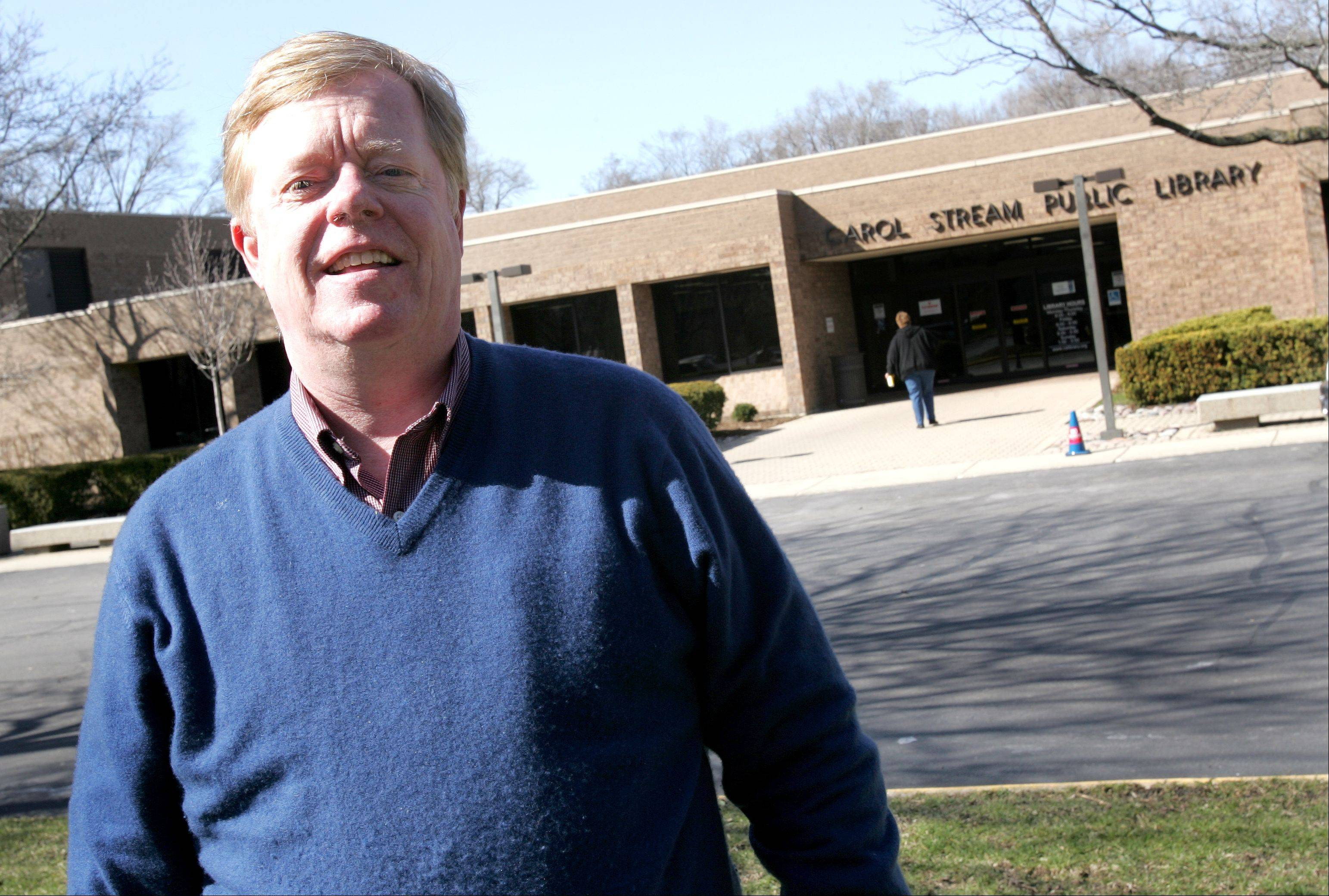 Tom Arends, a five-year incumbent of the Carol Stream Library board, is stepping down because he is moving to Chicago.