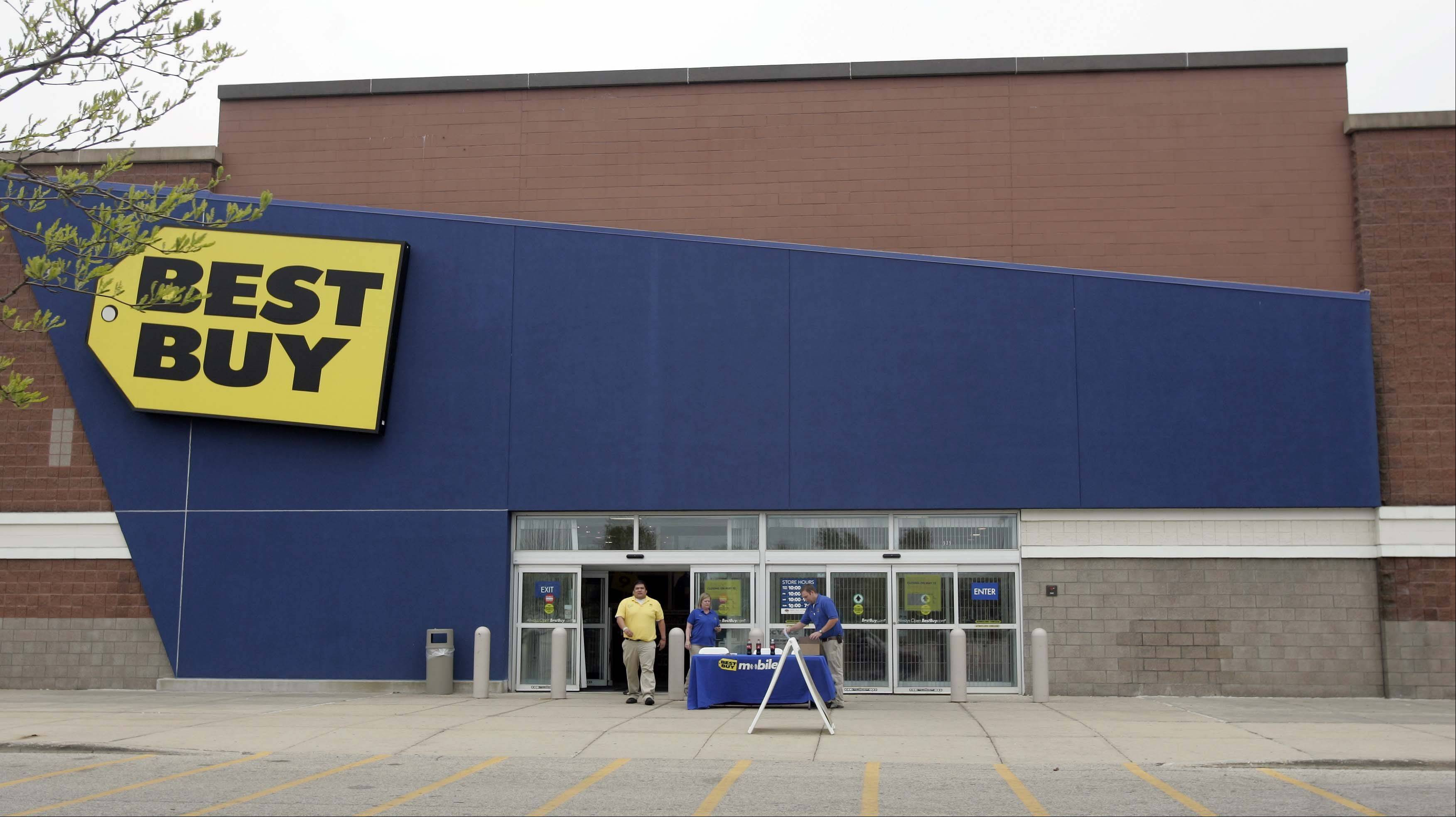 Best Buy closed this store in West Dundee and a Mundelein store Saturday morning. They will reopen Sunday for a going-out-of-business sale.