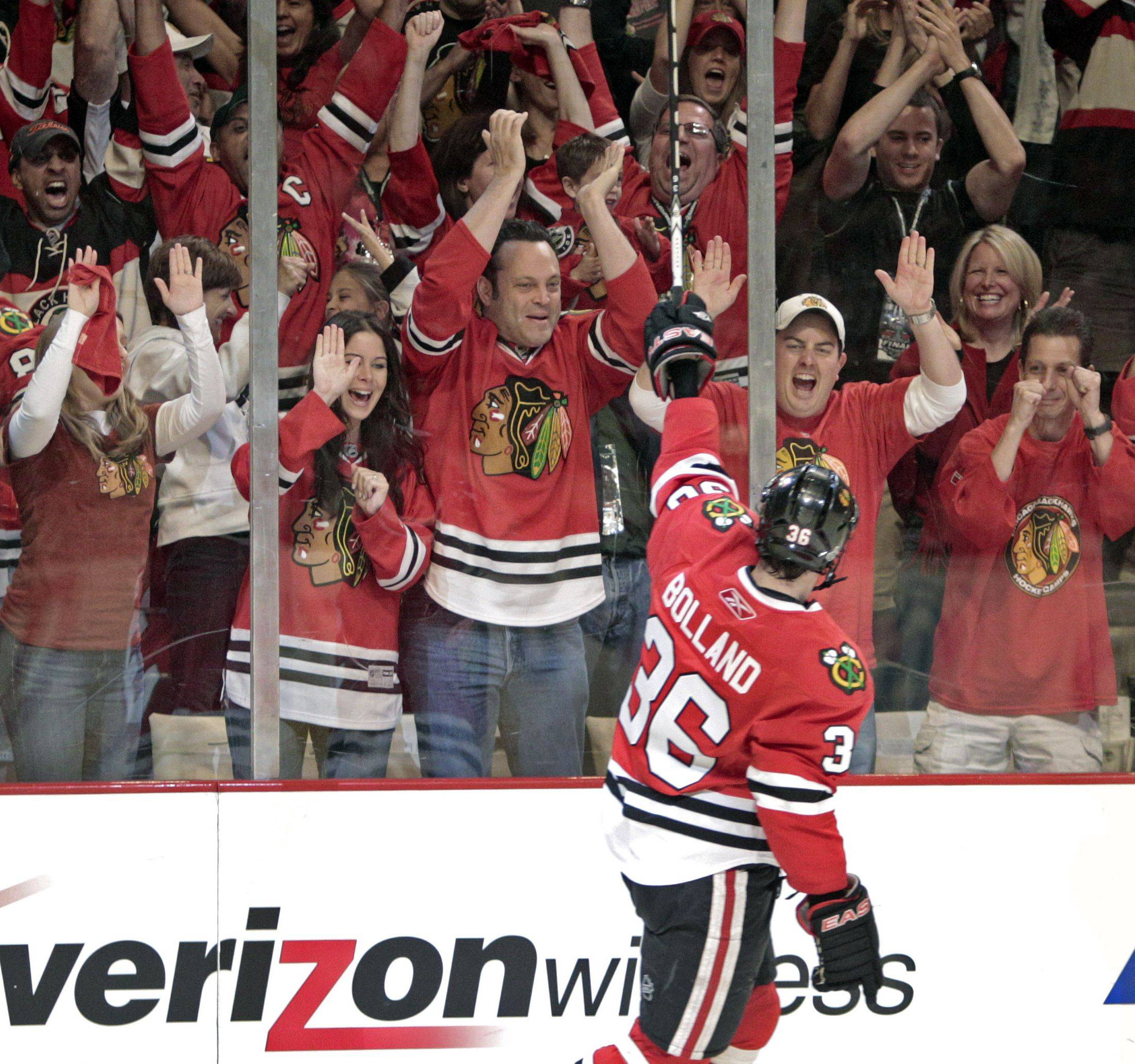 Dave Bolland and his Blackhawks teammates appreciate the fan support they receive at the United Center.