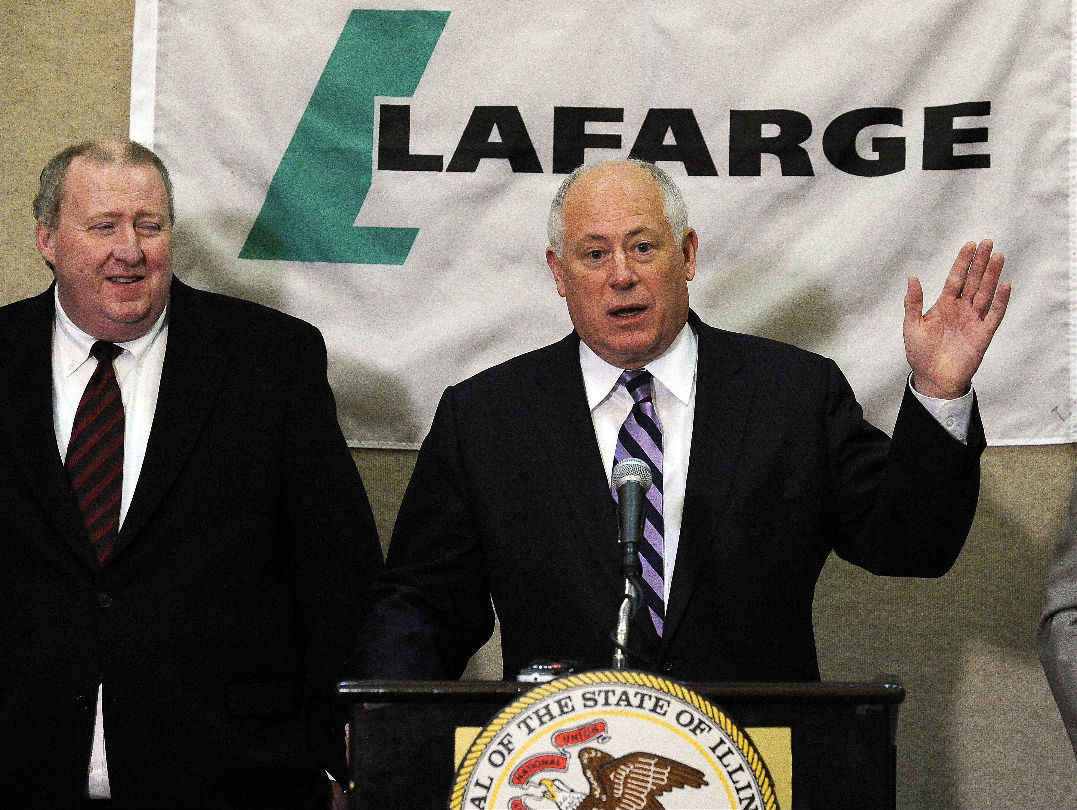 Governor Pat Quinn welcomed Lafarge North America to Illinois as company CEO John Stull looks on.