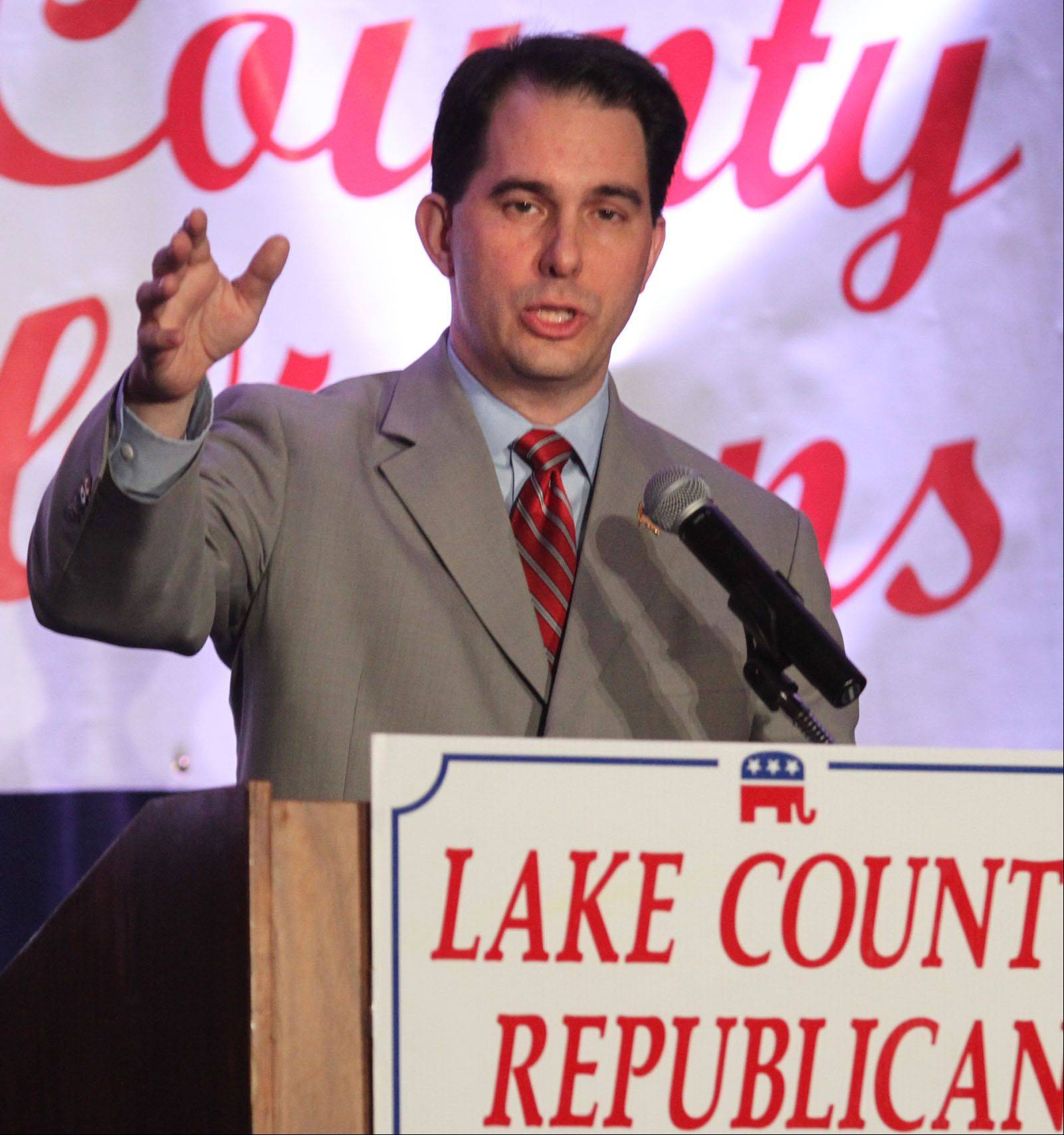 Wisconsin Gov. Walker in Lincolnshire touts reforms, protesters decry them