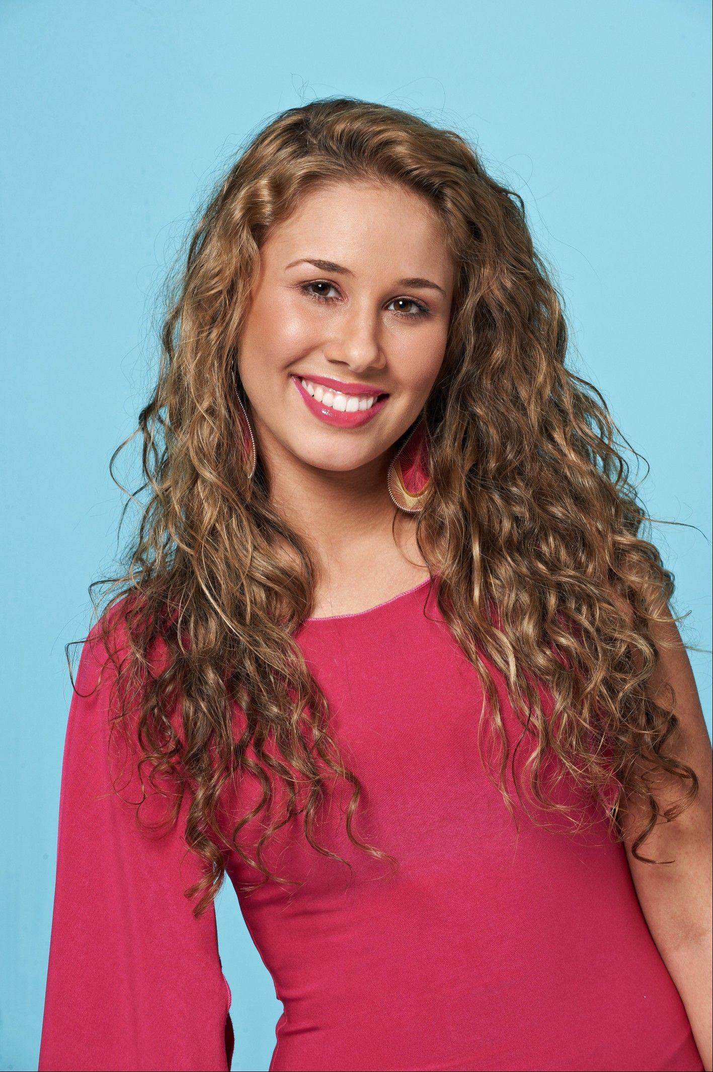 Wheeling's Haley Reinhart singing on 'Conan' tonight