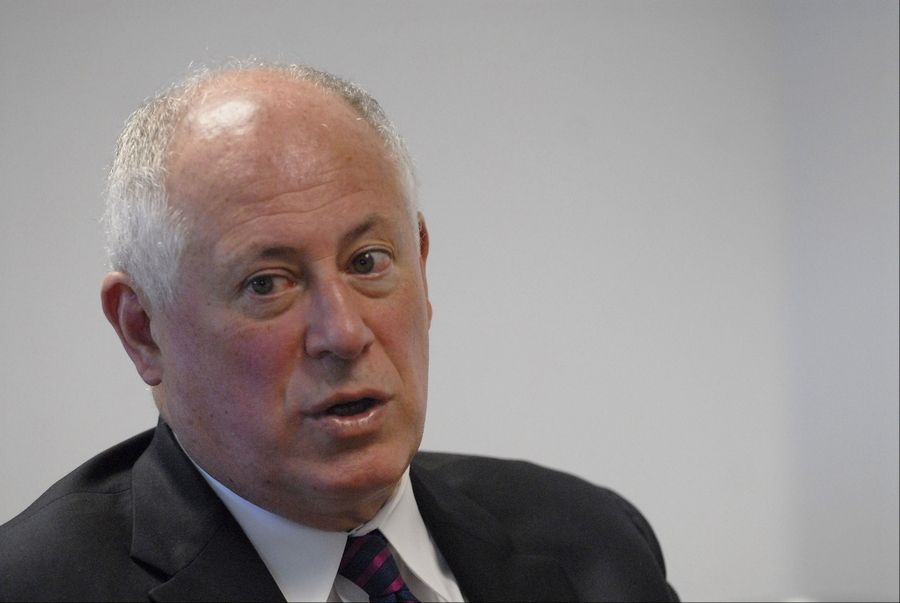 Illinois Gov. Pat Quinn said he doesn't want gambling proposals to become a political distraction during the final weeks of the General Assembly's session.