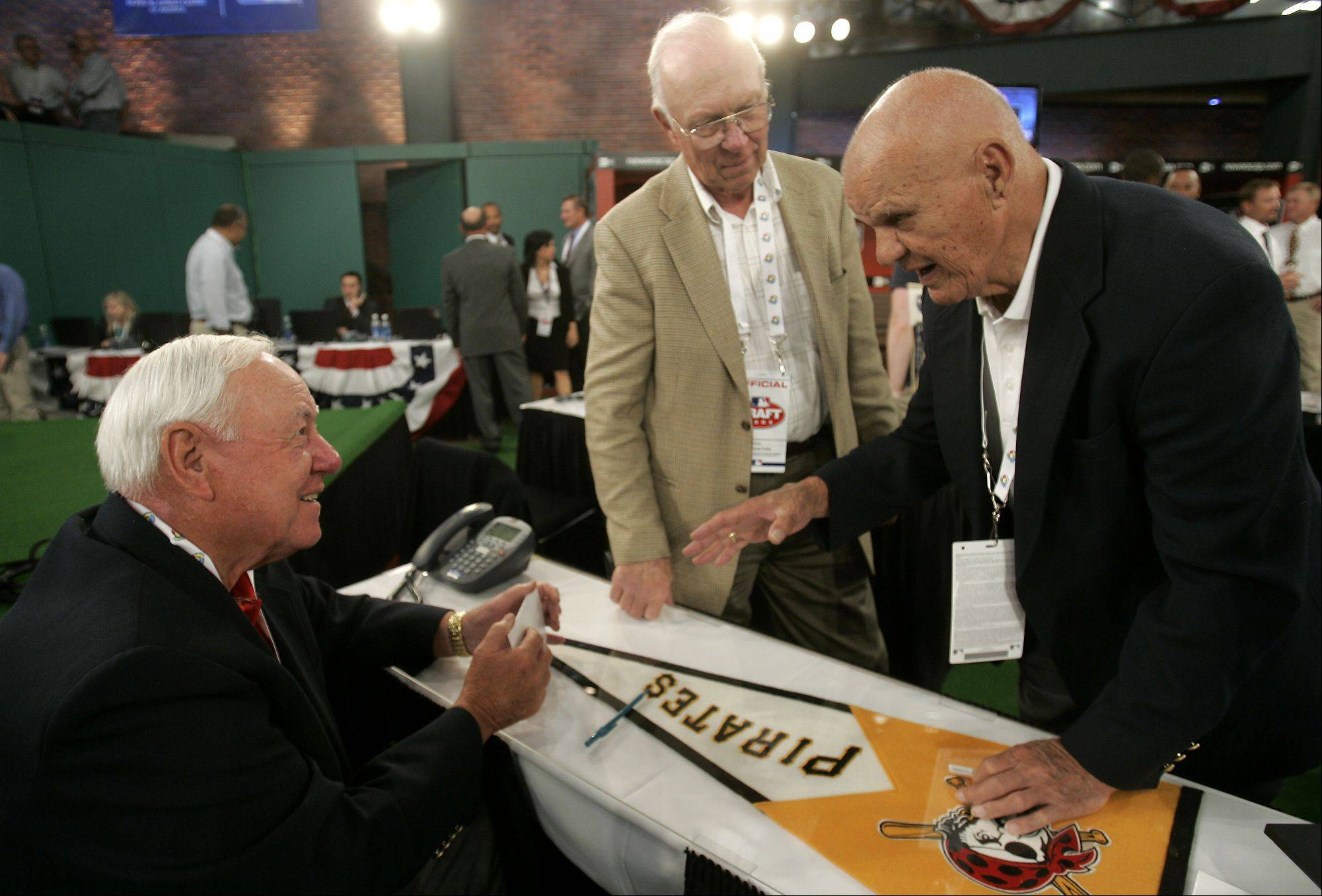 Hall of Fame member Bill Mazeroski, left, talks with former Pittsburgh Pirates manager Bill Virdon and former New York Yankee Moose Skowron before the baseball draft in Secaucus, N.J., Tuesday, June 9, 2009.