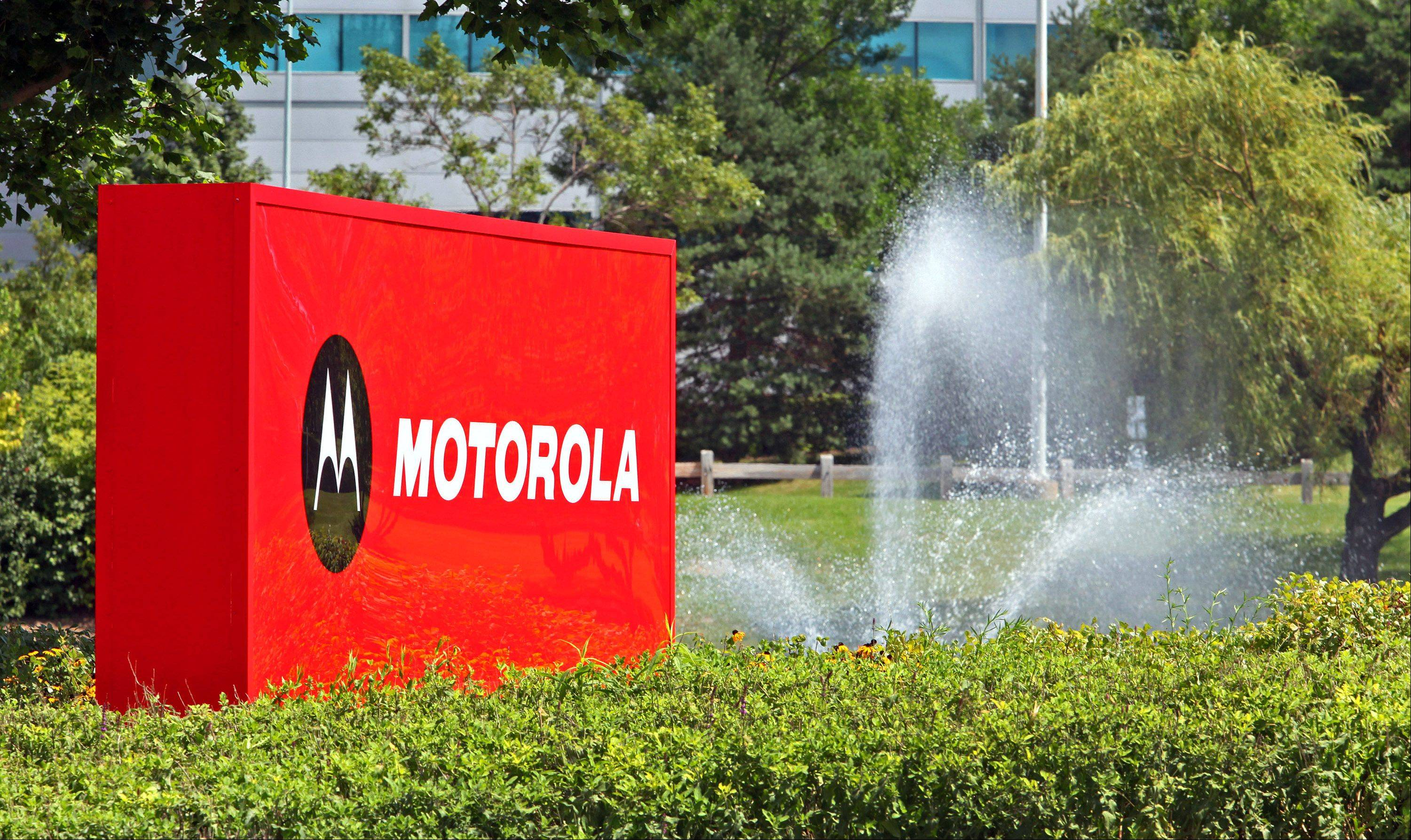 Libertyville-based Motorola Mobility Holdings Inc. has won a patent ruling allowing it to ban Microsoft Corp. from selling its Windows 7, Internet Explorer and Media Player software and Xbox gaming systems in Germany.