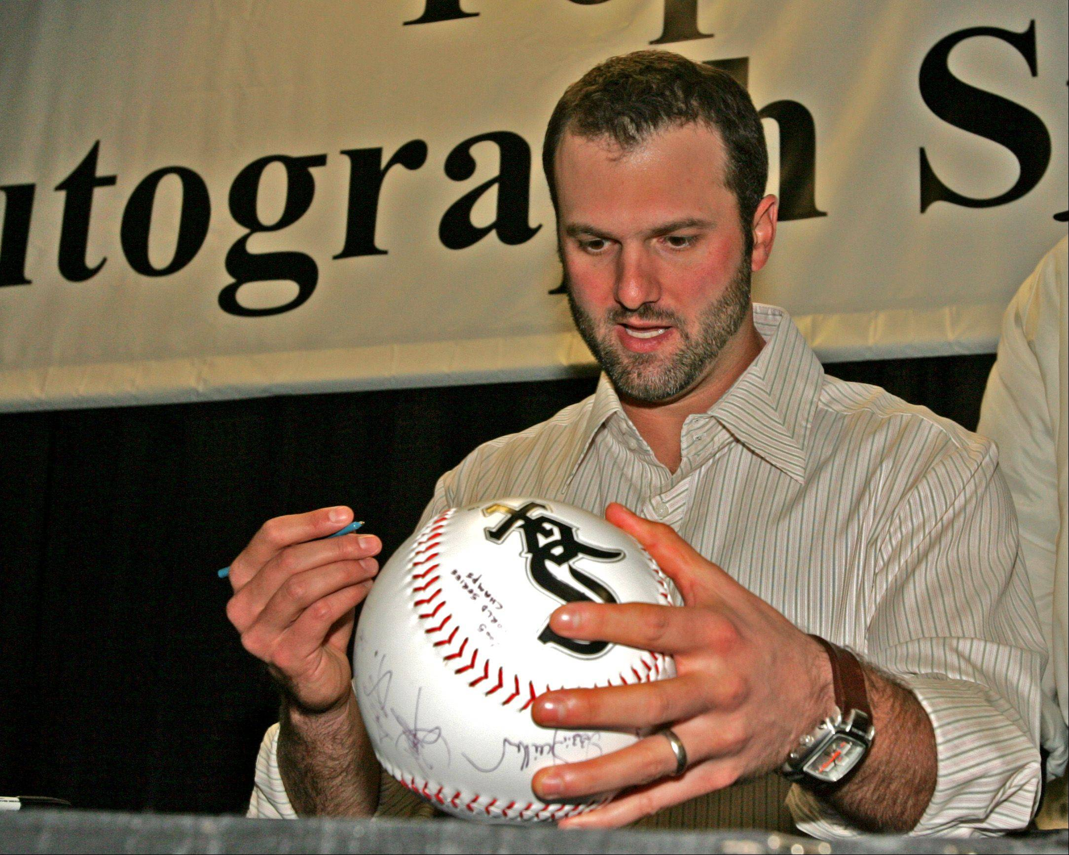 wsox_6sp012706dw Photo0476944 DANIEL WHITE PHOTO//////// Paul Konerko appears once again at SoxFest this year.