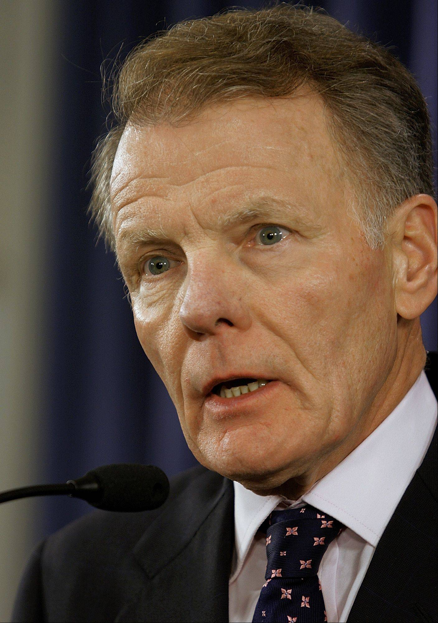 Illinois House Speaker Michael Madigan would prefer to phase in a plan to shift teacher pension costs to suburban schools.