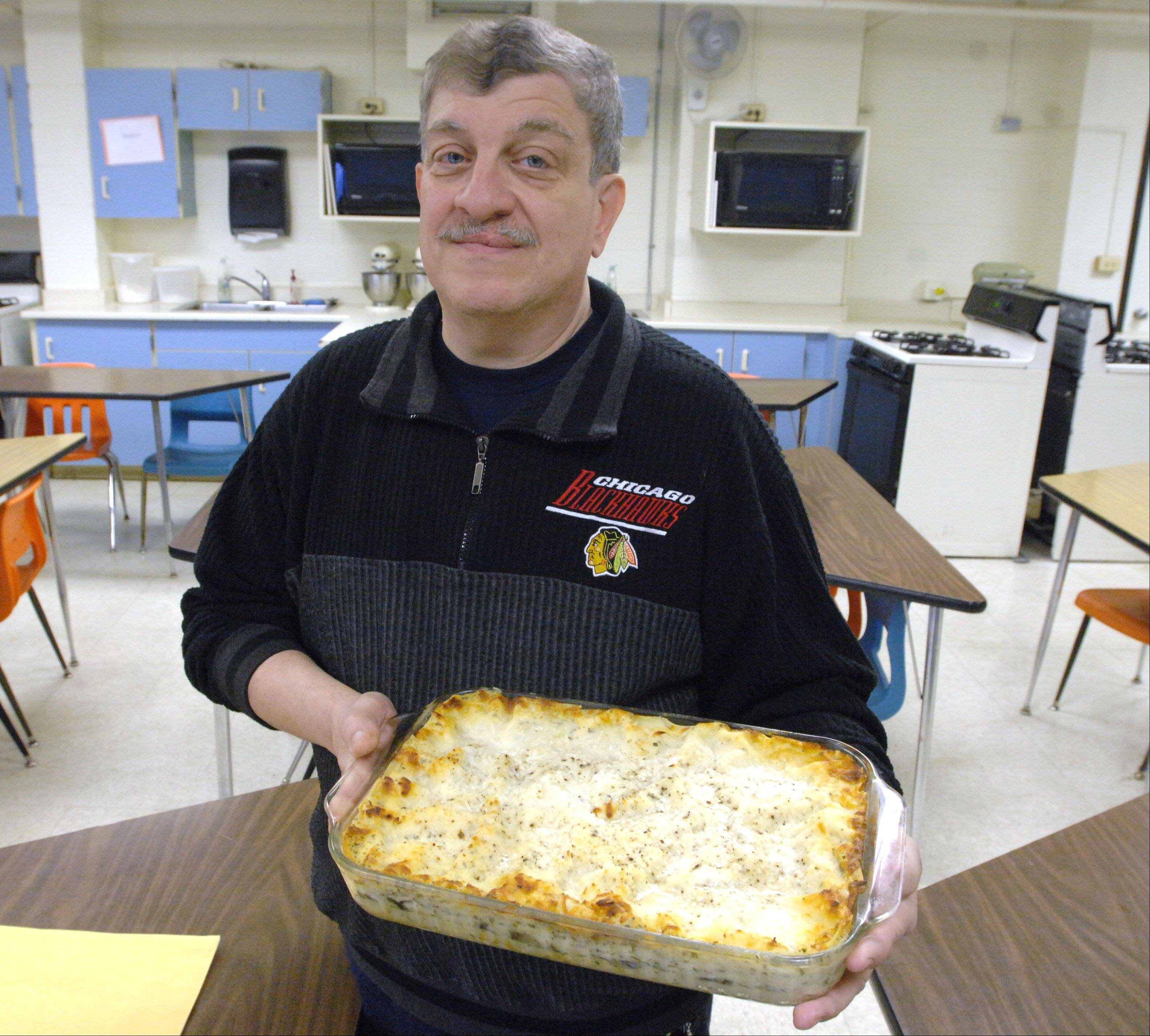 Hanover Park man gets creative, competitive about cooking