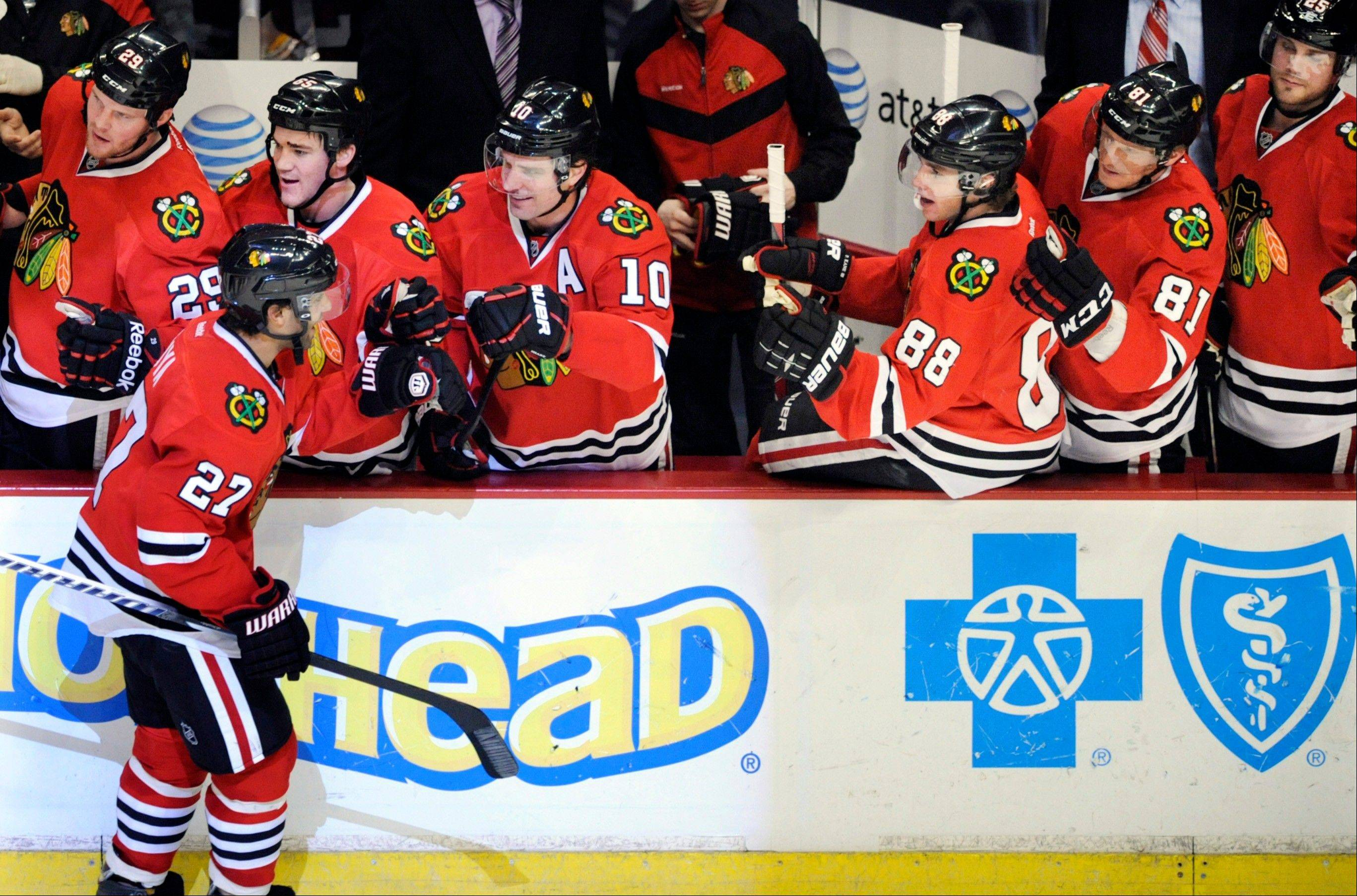 Mayers, Oduya agree to new deals with Hawks