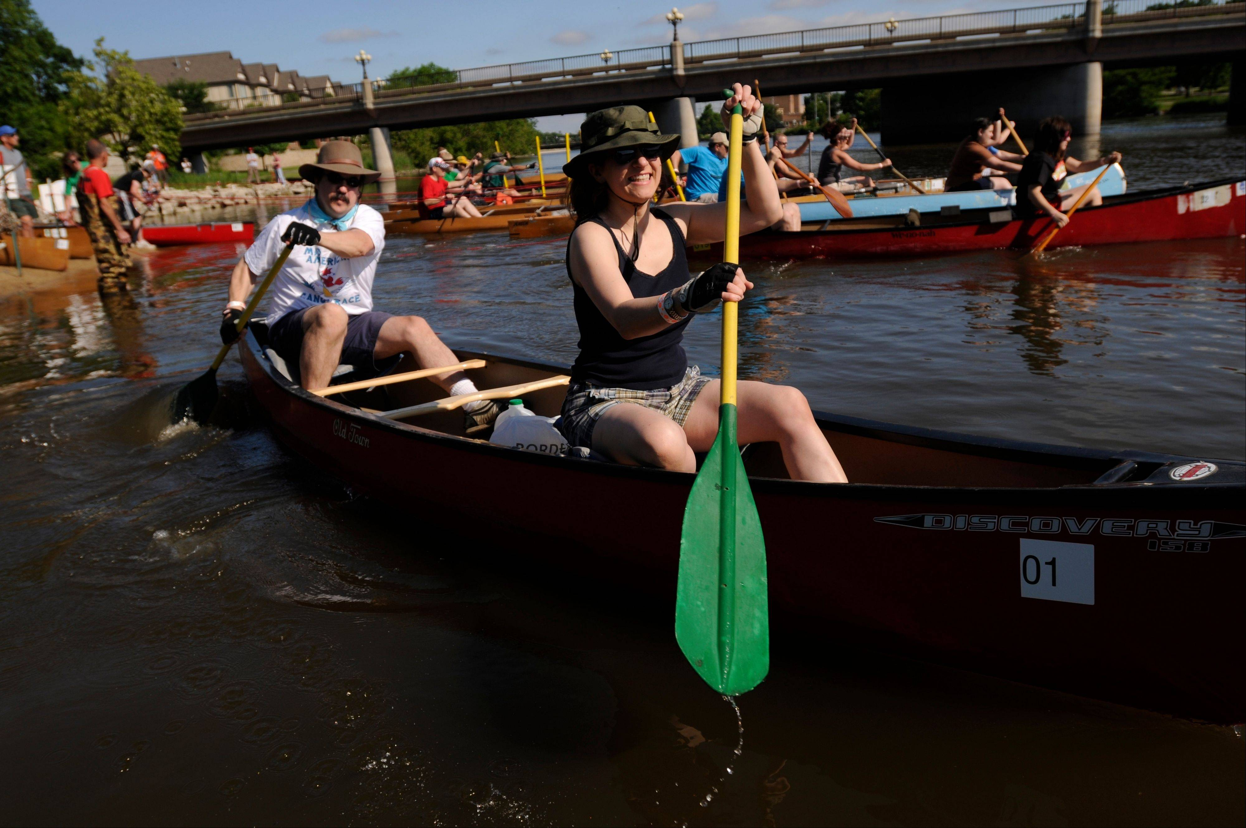 The Mid-American Canoe and Kayak Race on the Fox River is fun for families or groups of friends. There are competitive and open divisions.