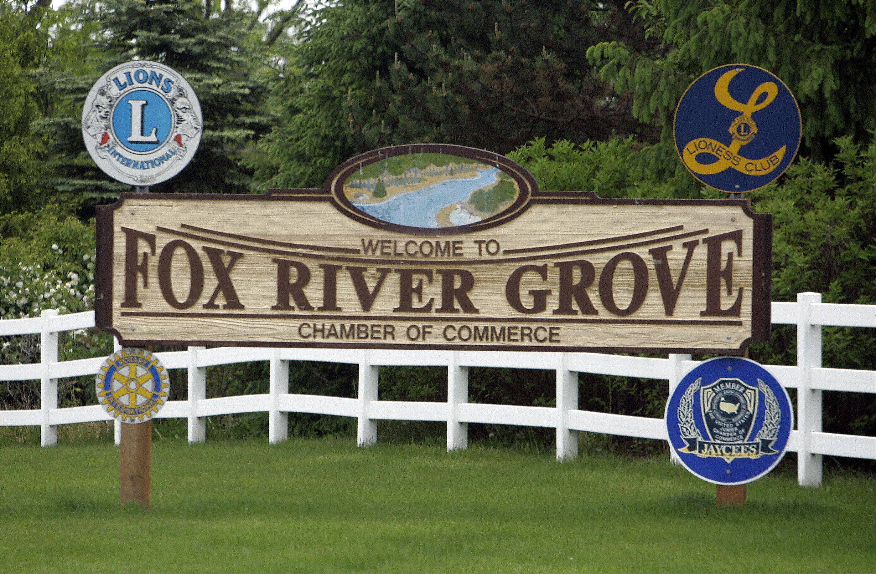 The Fox River Grove sign.