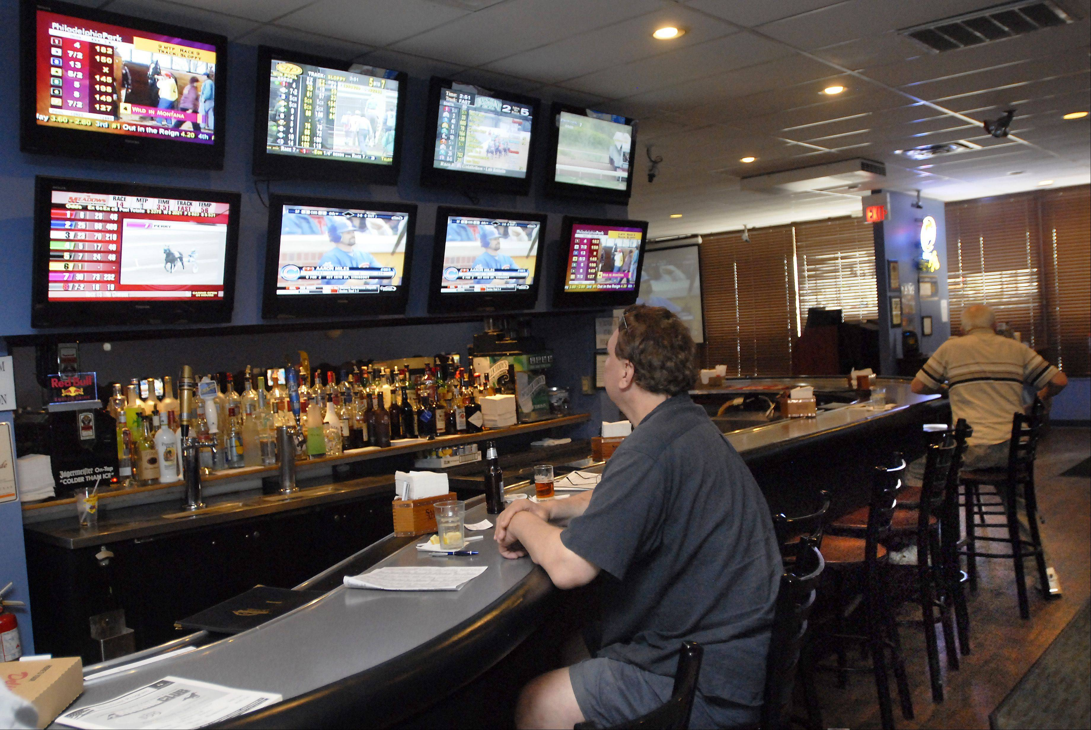Ringside Sports Bar, which became home to an off-track betting parlor in Elk Grove Village five years ago, now is interested in installing video gambling.