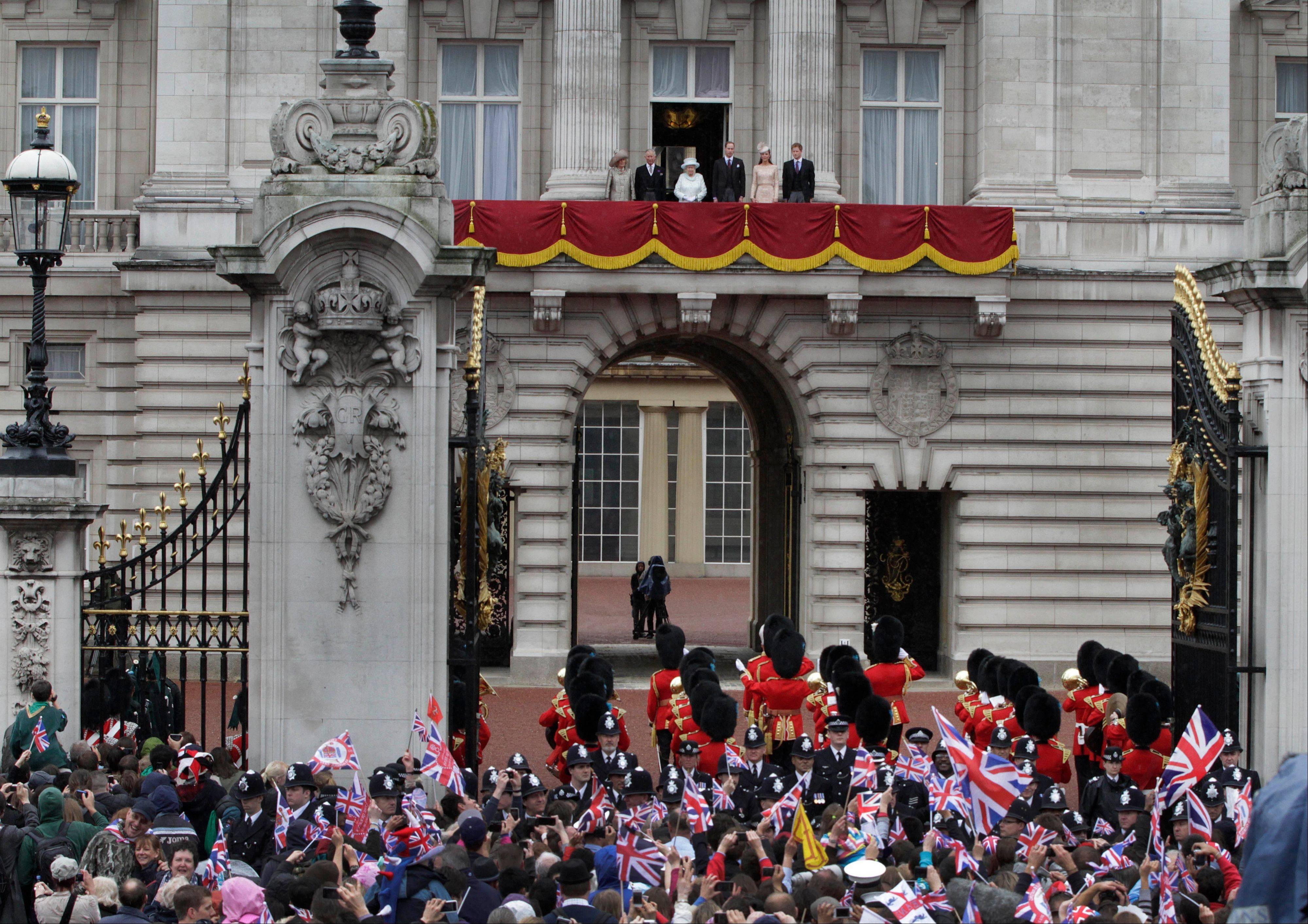 Britain's Queen Elizabeth II, accompanied by Prince Charles and the Duchess of Cornwall, and Prince William, and Kate, Duchess of Cambridge and Prince Harry, appear on the balcony of Buckingham Palace in central London, Tuesday, June 5, 2012, to conclude the four-day Diamond Jubilee celebrations to mark the 60th anniversary of the Queen's accession to the throne.