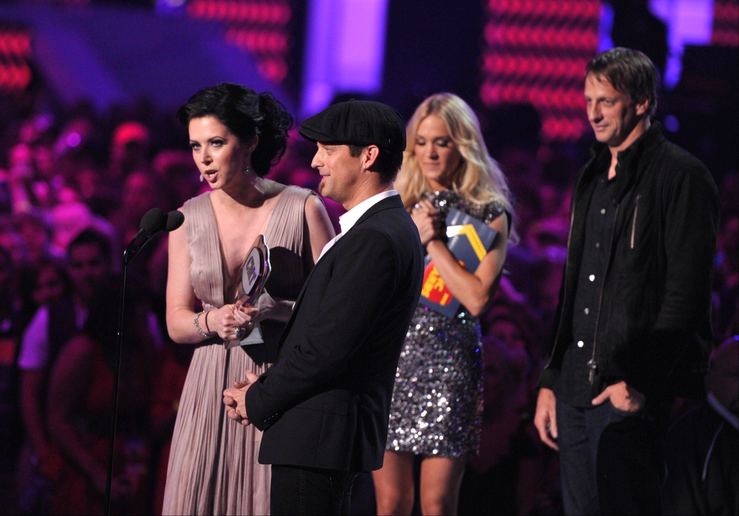 Shawna Thompson, left, and Keifer Thompson of Thompson Square accept the award for Duo Video Of The Year at the 2012 CMT Music Awards on Wednesday, June 6, 2012 in Nashville, Tenn.