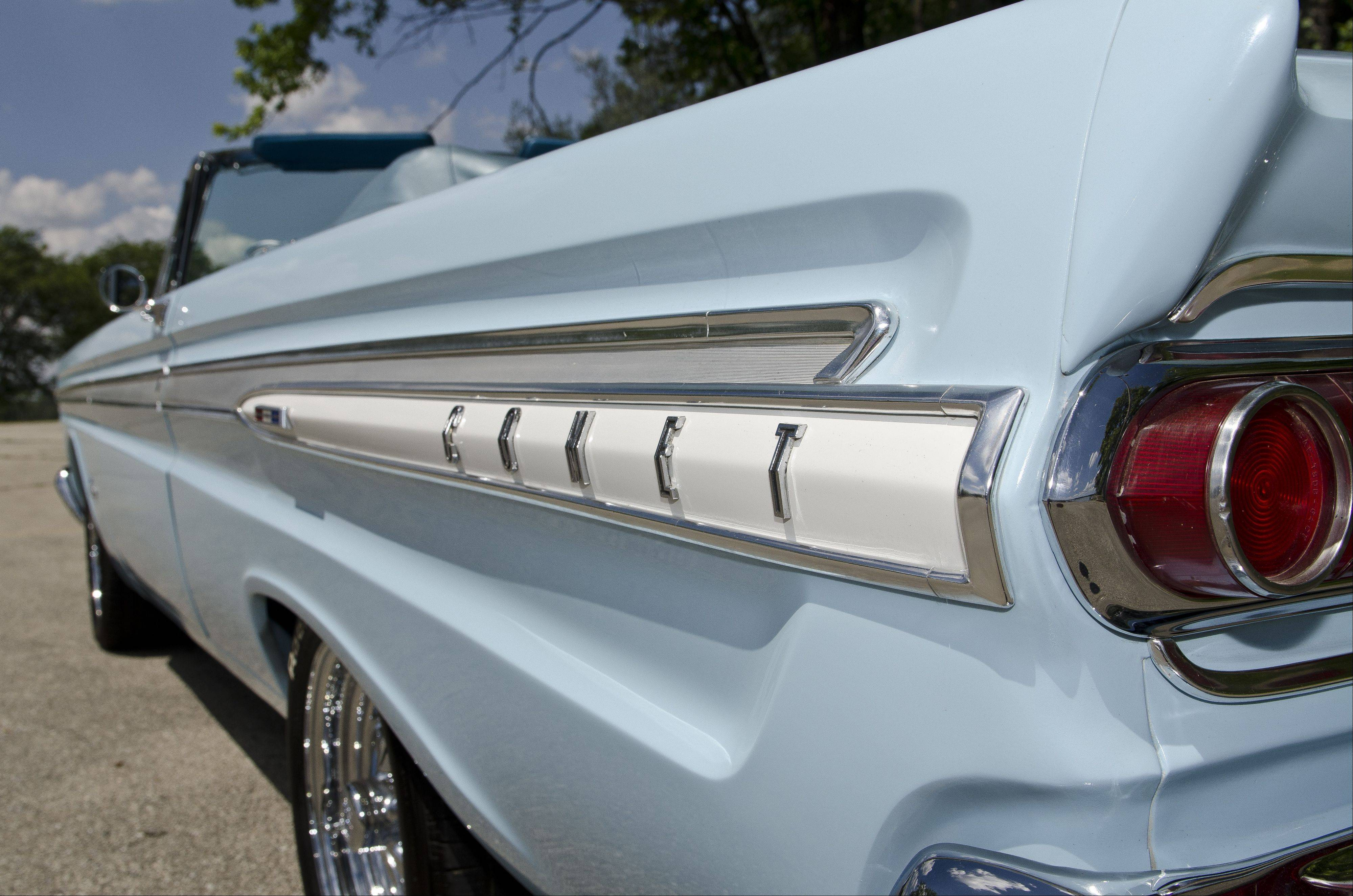 Mercury Comets with the factory Caliente package have added side trim that gives them more of an upscale look.