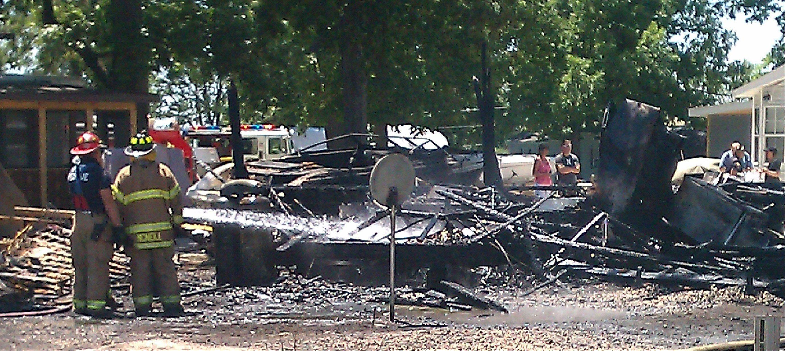 A fire destroyed multiple mobile homes Tuesday in a trailer park near Antioch used primarily by boaters who access the nearby Chain O' Lakes. No injuries were reported, and investigators do not believe the cause of the fire is suspicions
