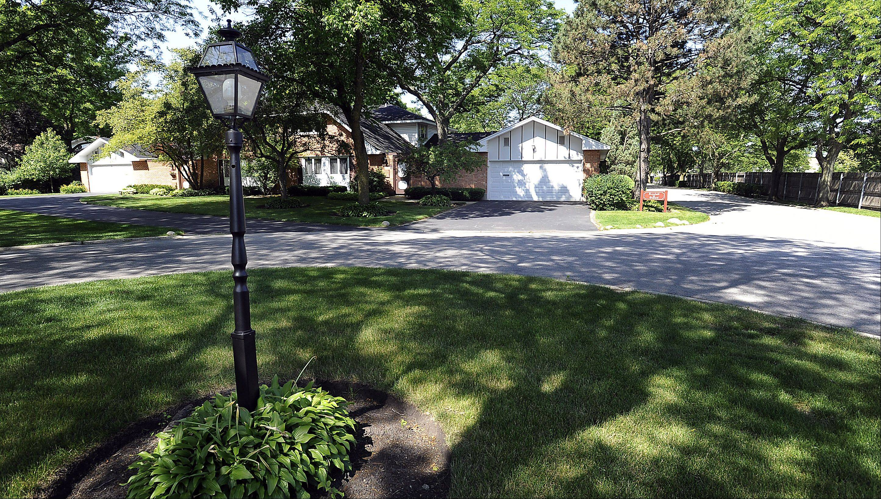 Rolling Meadows' Plum Grove Village neighborhood is reminiscent of an old English town, with street names like Kendall on Oxford.