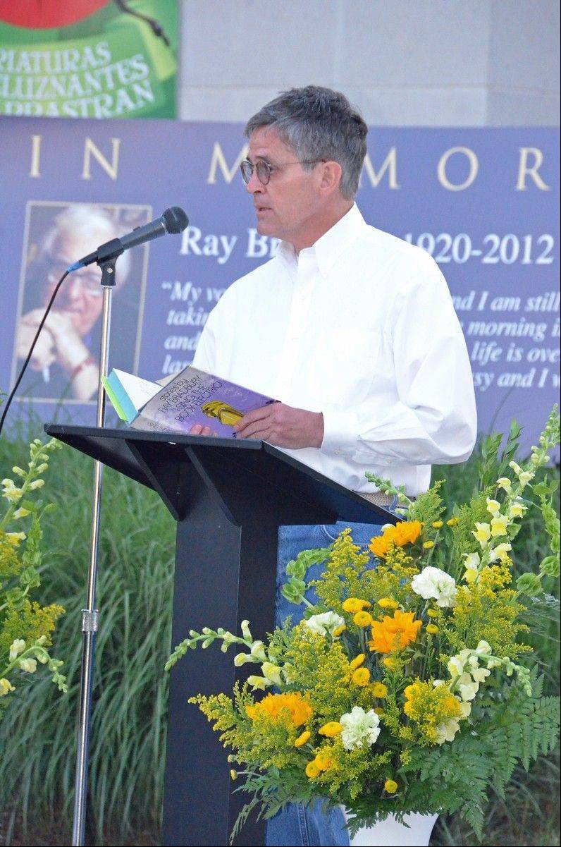 Waukegan Mayor Robert Sabonjian reads at the Ray Bradbury tribute.