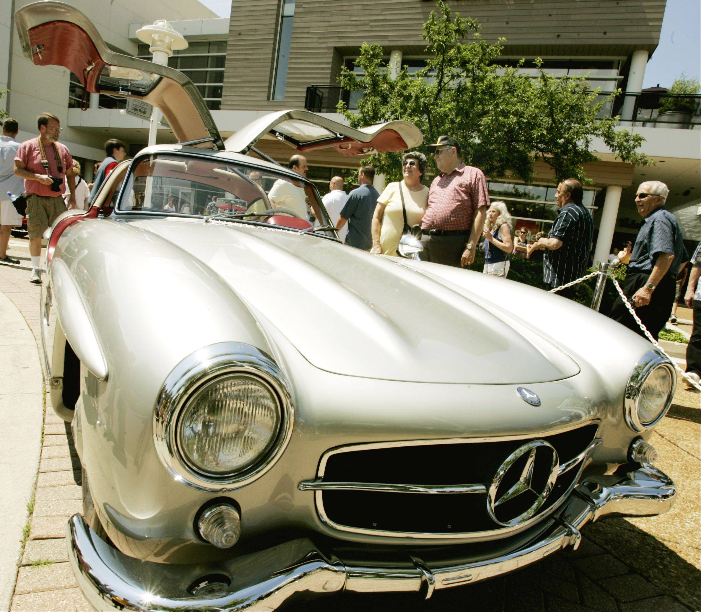 The Father's Day Classic Car Show will feature 100 well-kept vehicles on display Sunday within Oakbrook Center shopping mall. Organizers say the event has become a place where owners and aficionados swap stories and memories.