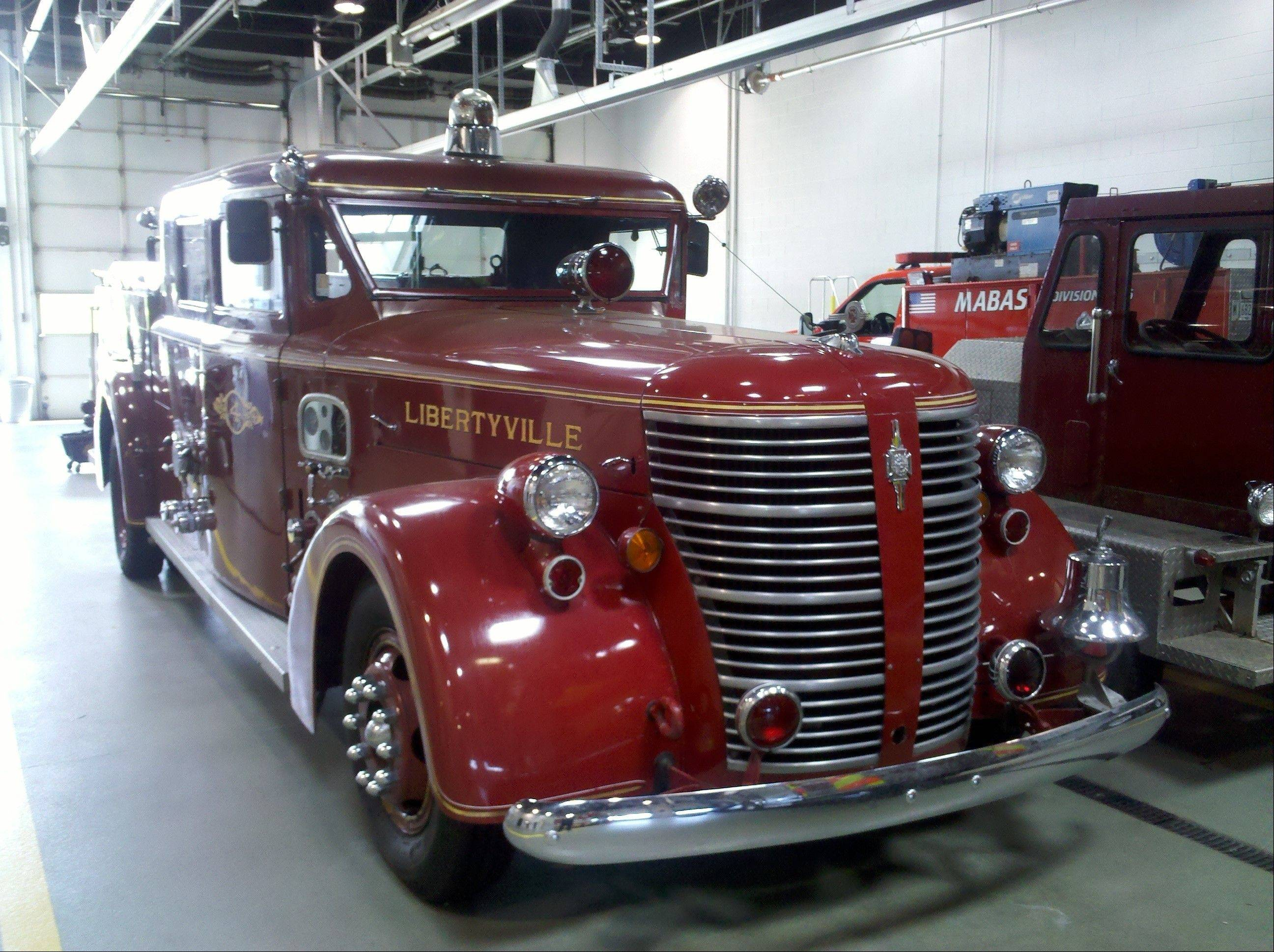 An Antique Libertyville fire truck was one of the classic cars that appeared in the 2011 Car Fun on 21 show.