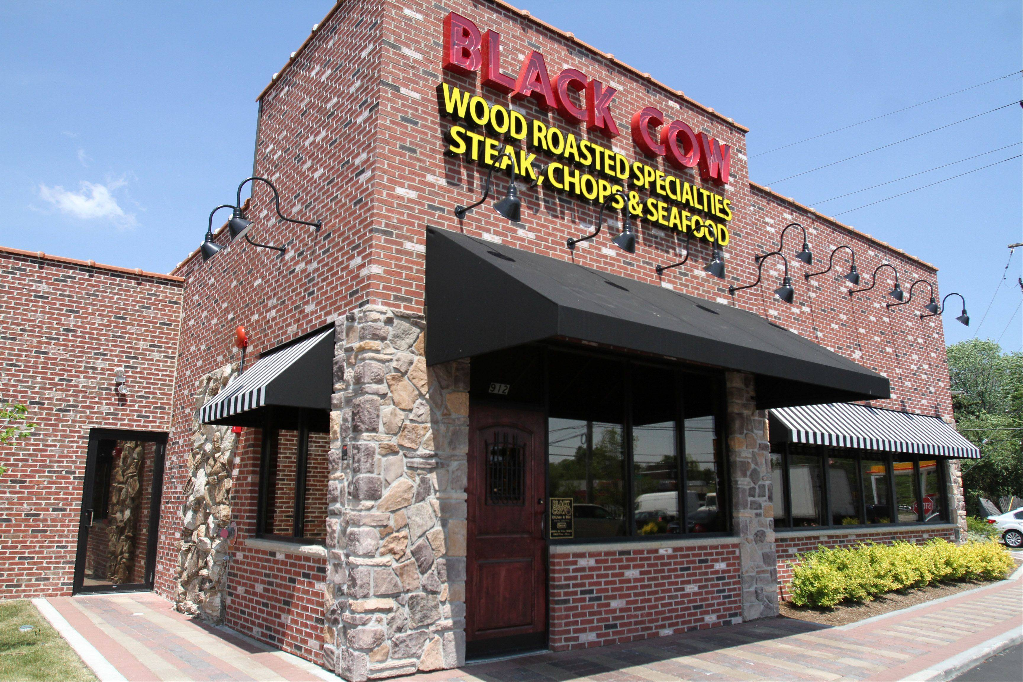 Black Cow Kitchen & Bar in Mount Prospect serves up a selection of steaks, roasted chicken, fresh fish, pasta and burgers.