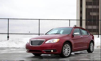 2011 vs Chrysler 200 sedan