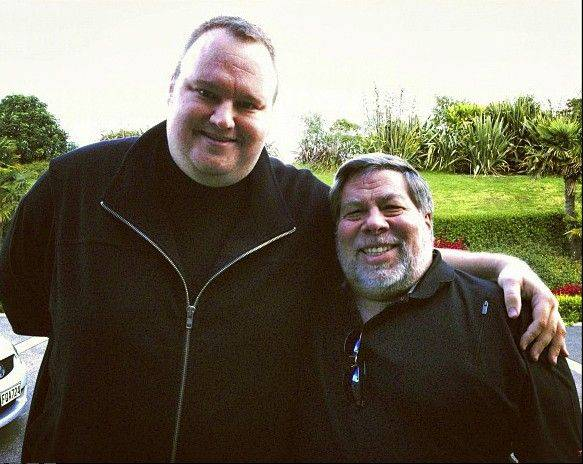 Apple cofounder Steve Wozniak, right, and Kim Dotcom, founder of file-sharing site Megaupload, in Auckland, New Zealand.
