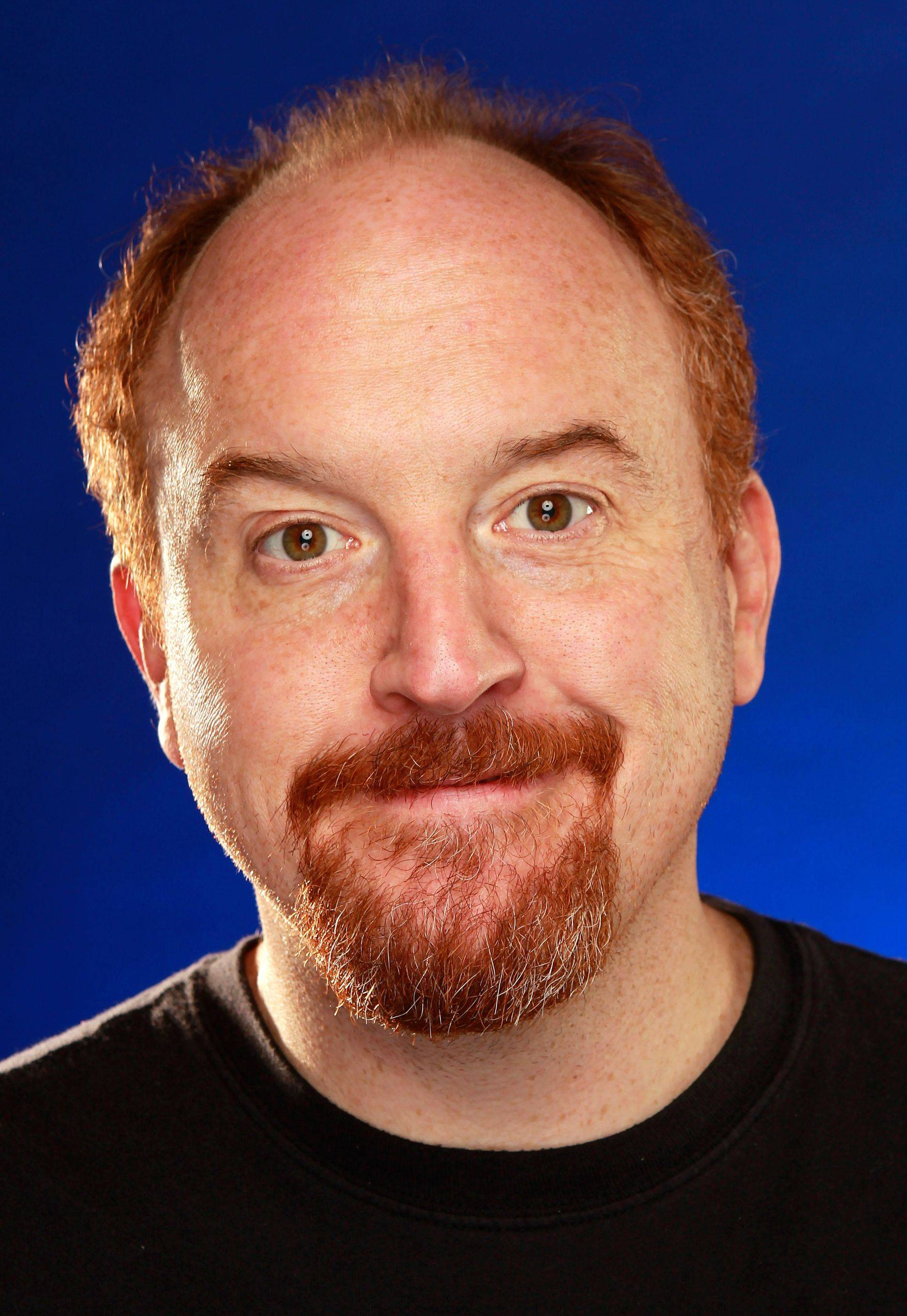 Comedian Louis CK has decided to bypass Ticketmaster and sell tickets to his 39-city tour via his website.