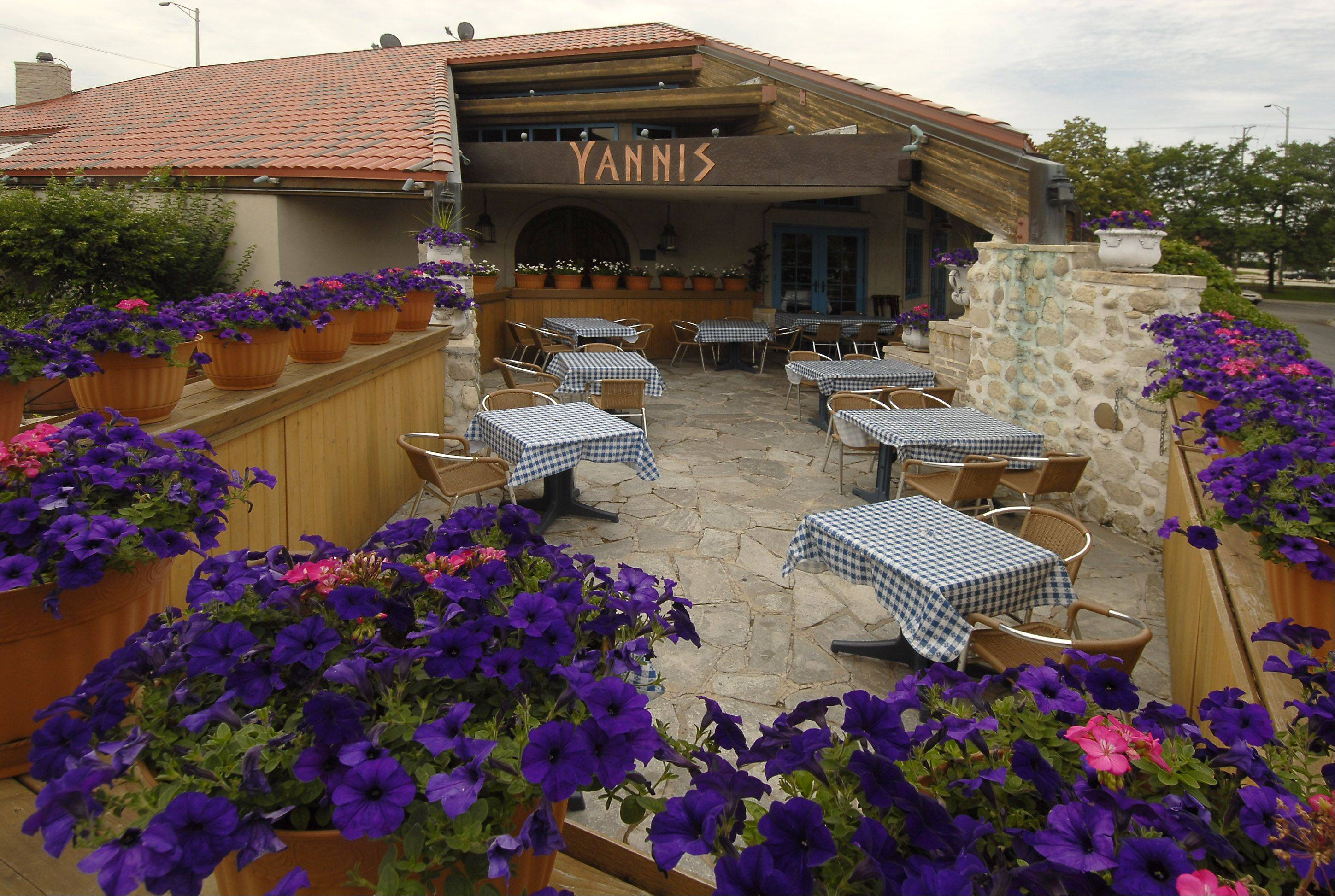 Bill Zars/bzars@dailyherald.com  Yanni's Greek restaurant, 10 E. Algonquin Road in Arlington Heights, shut its doors Sunday.