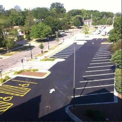 A redesigned parking lot at the Glen Ellyn Public Library opened Wednesday -- three weeks ahead of the construction schedule.