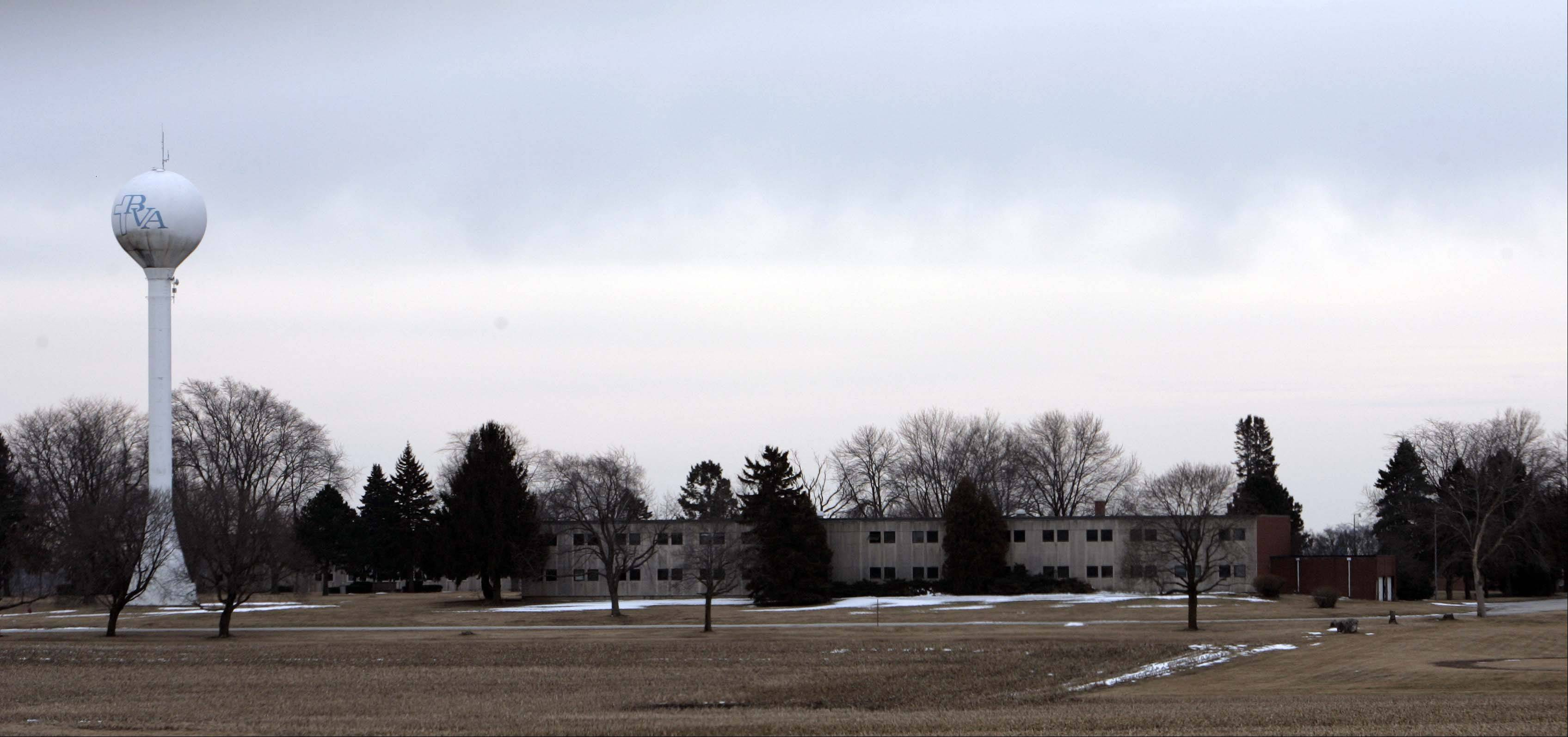 The Mata Amritanandamayi Center Chicago, located at 41W501 Keslinger Road near La Fox, recently opened on a 140-acre site formerly occupied by the Broadview Academy boarding school. A small fire broke out in the center's administration building late Thursday.