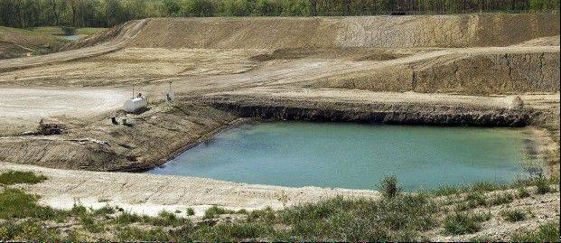 EPA could let toxic waste fill landfill on downstate aquifer