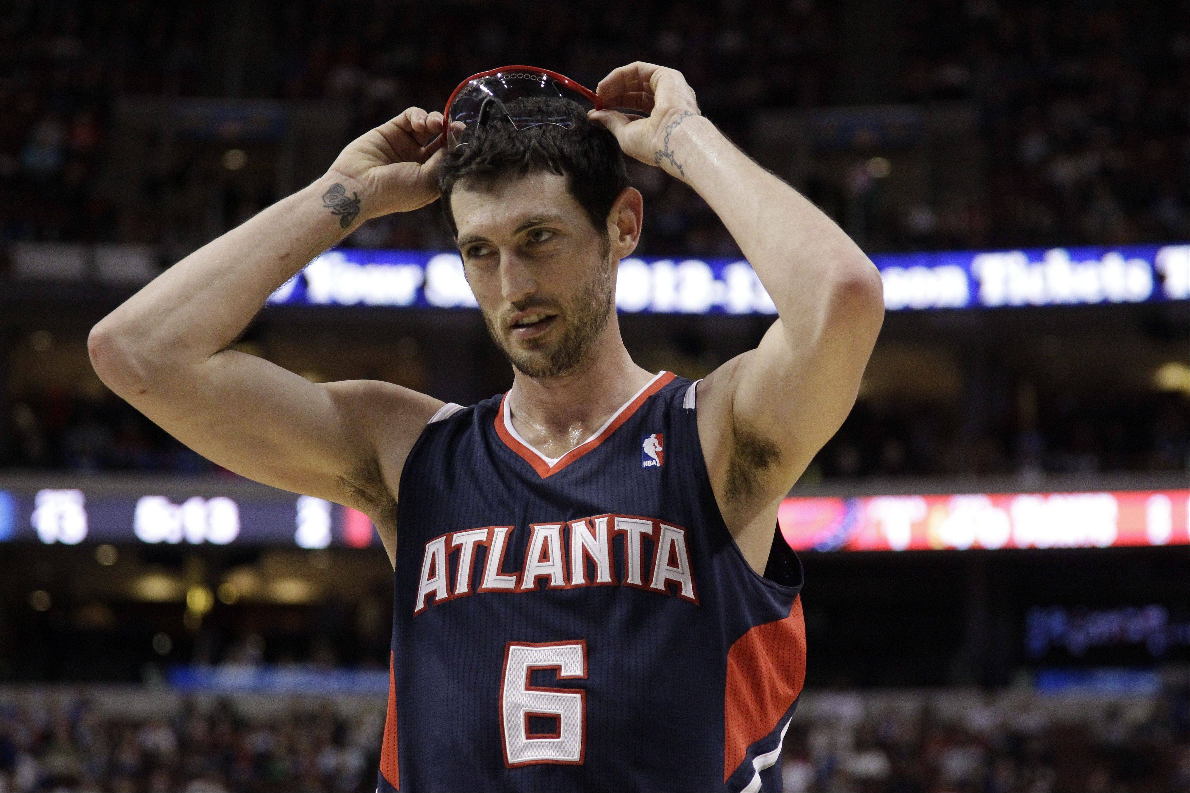 Atlanta Hawks' Kirk Hinrich during an NBA basketball game against the Philadelphia 76ers, Saturday, March 31, 2012, in Philadelphia.