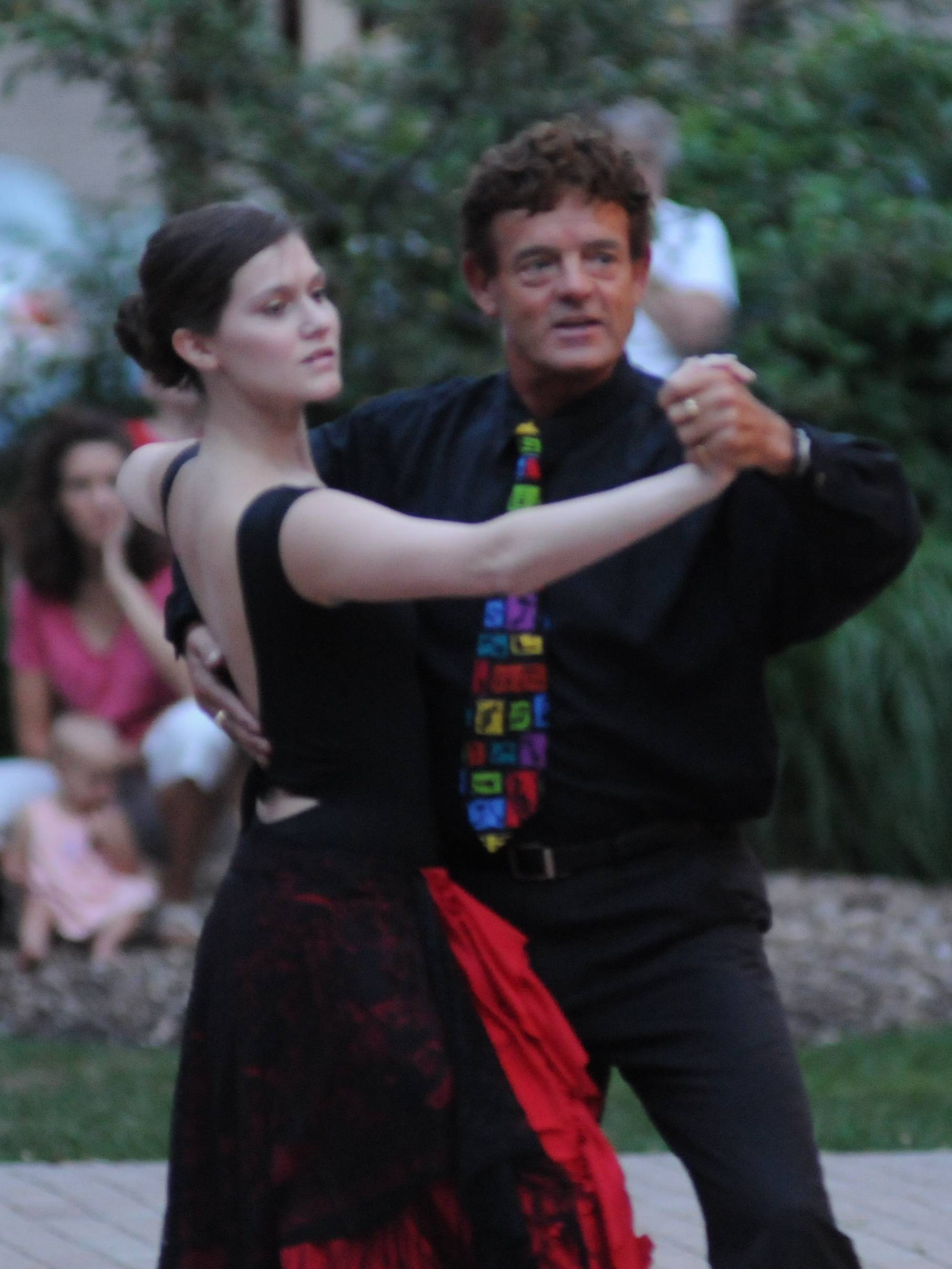 Dancers from DeSarge Danceworld will present a pre-concert dance lesson at 6:30 PM prior to the Wheaton Municipal Band concert on Thursday July 12.