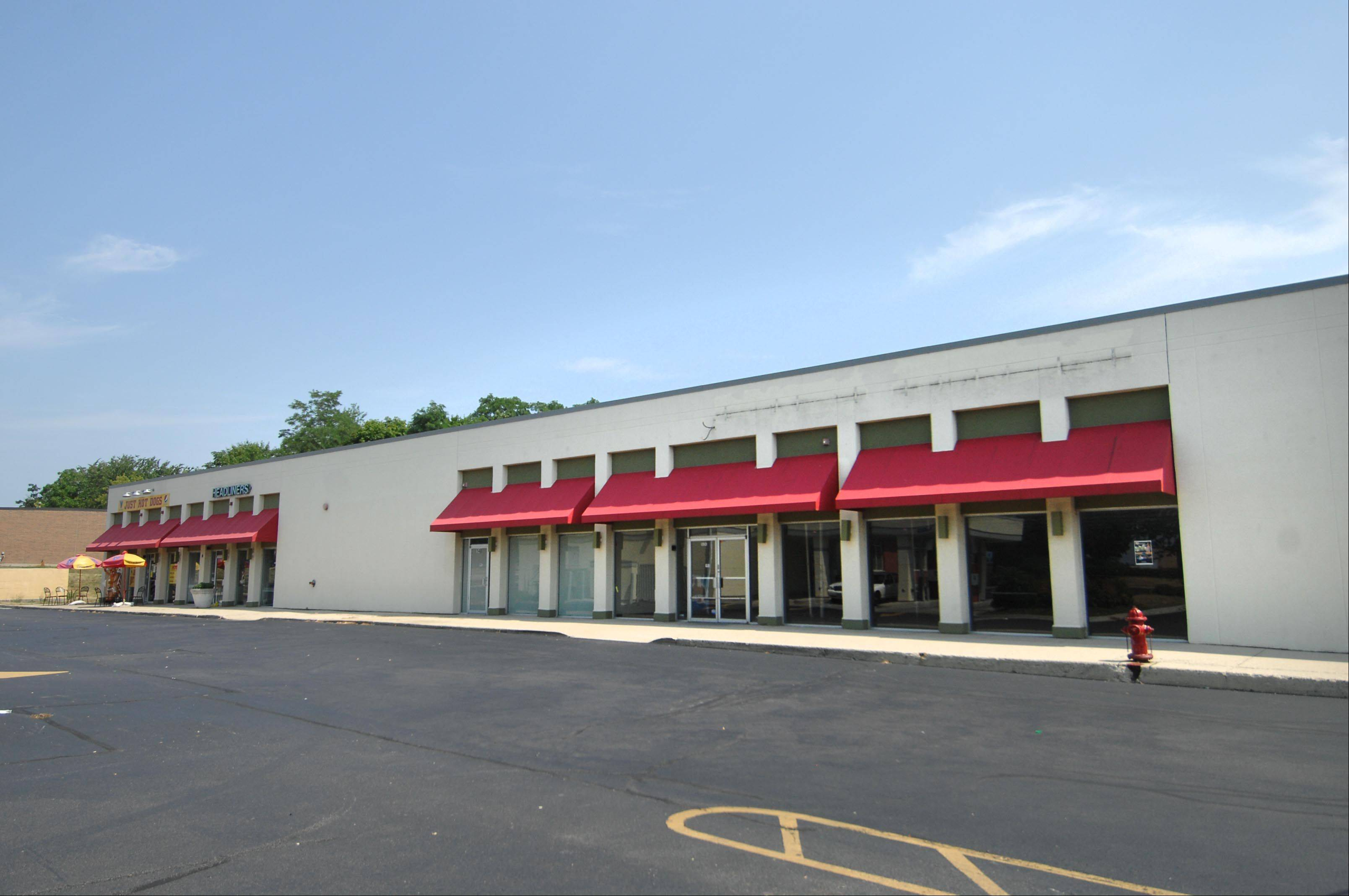 The former Dollar General store in Carpentersville has been closed due to poor performance, a corporate spokeswoman said. The store on the village's east side remains open.
