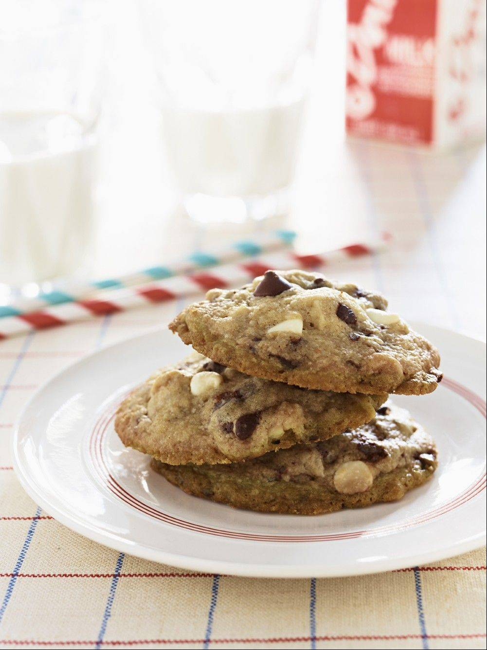 first lady Michelle Obama's Mama Kaye's White and Dark Chocolate Chip Cookies