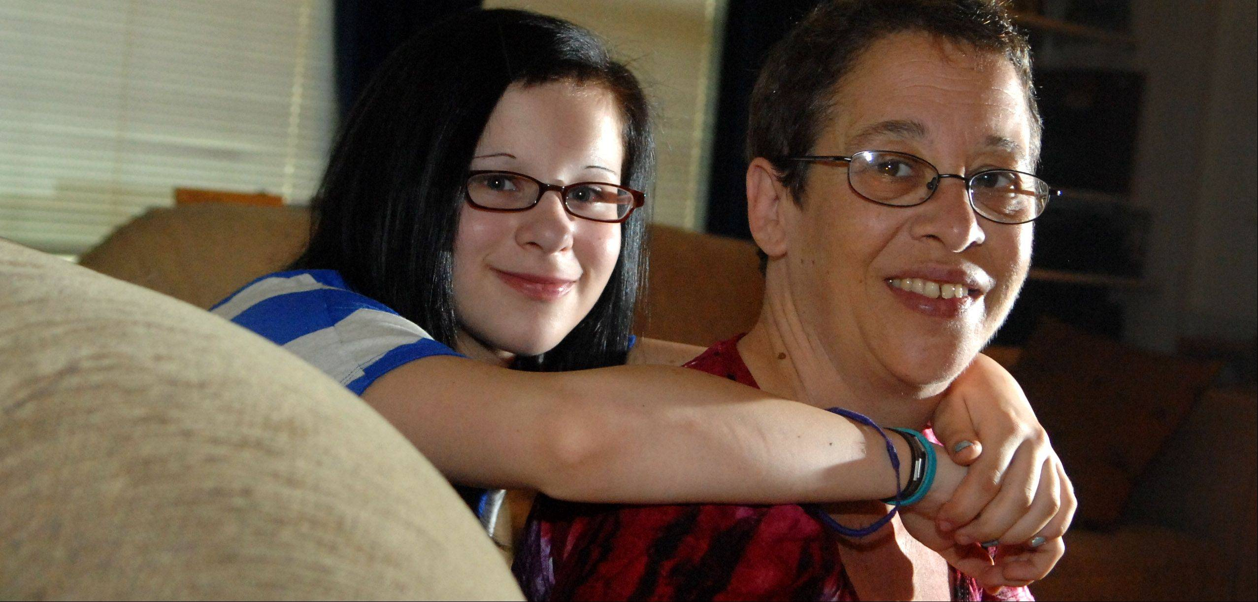 Mariah Reeves and her mom, Sandy, started the Illinois chapter of Stand for the Silent.