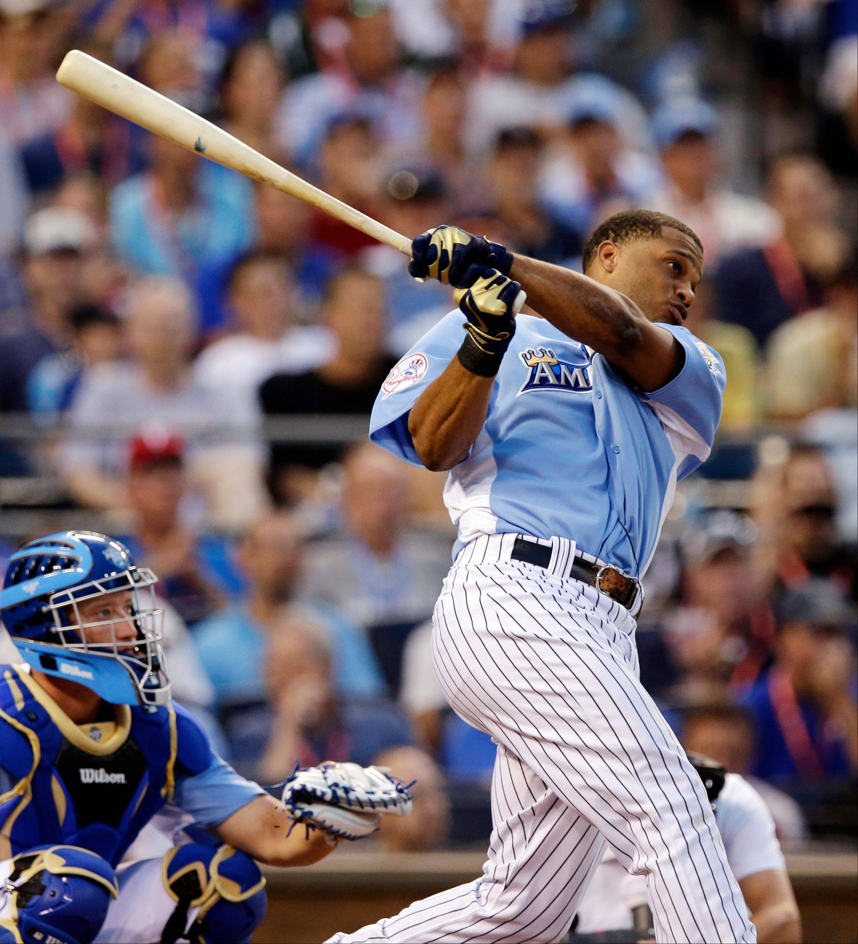 The relentless booing of the Yankees' Robinson Cano by Kansas City fans during the All-Star Home Run Derby on Monday night drew national attention, and in some places scorn.