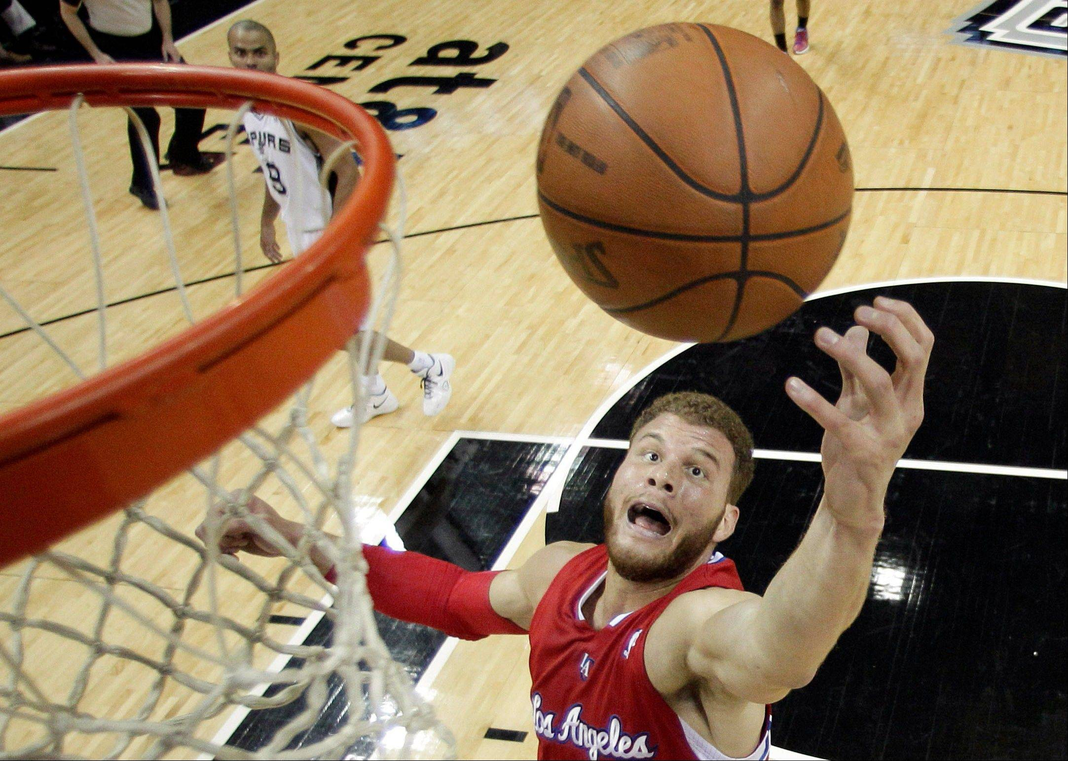 Blake Griffin aggravated a left knee injury during U.S. Olympic team training camp and has returned to Los Angeles for evaluation. The Clippers forward was hurt during a scrimmage Wednesday, a person with knowledge of the details said, confirming a Yahoo Sports report.