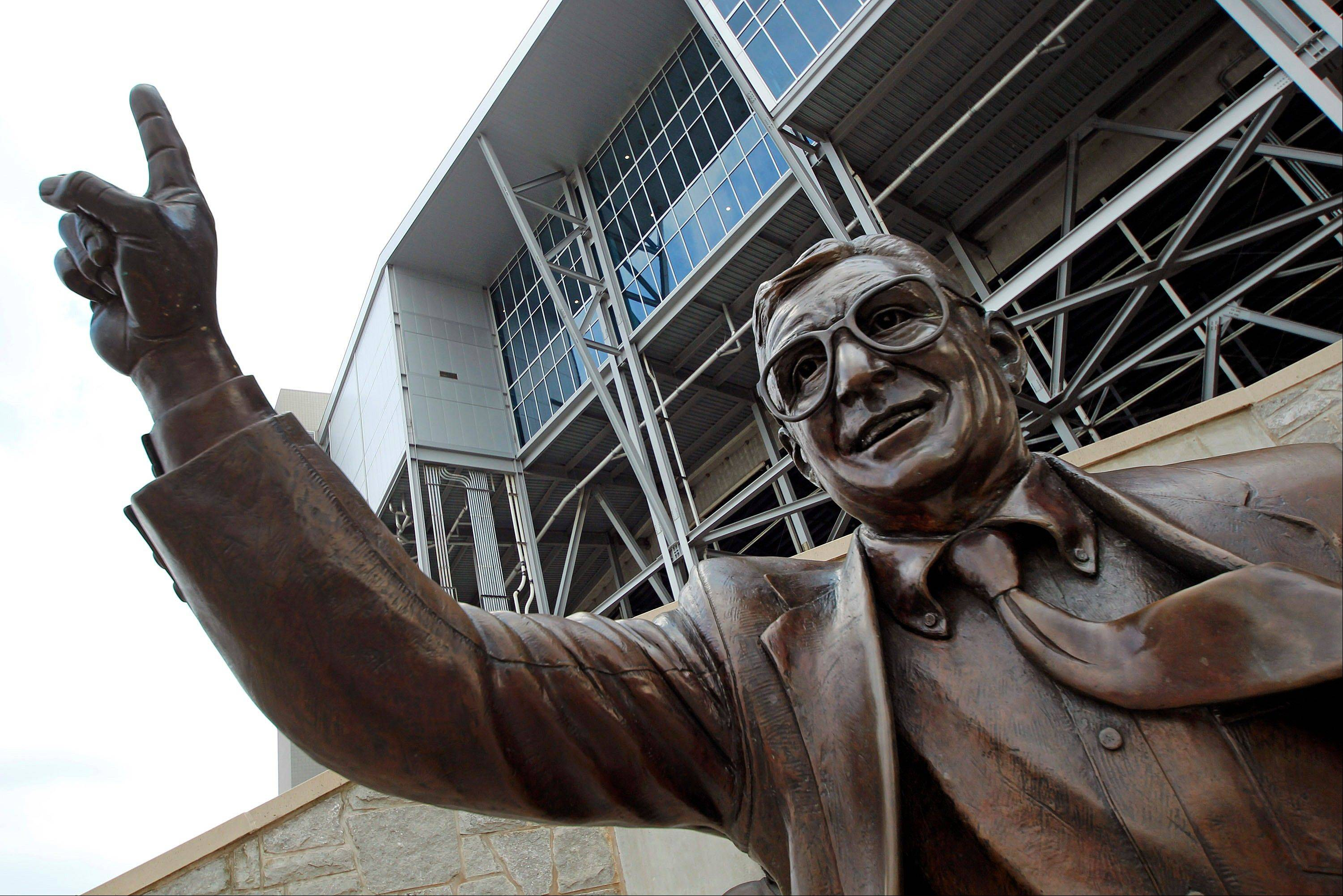 Joe Paterno symbolizes hypocrisy of college football