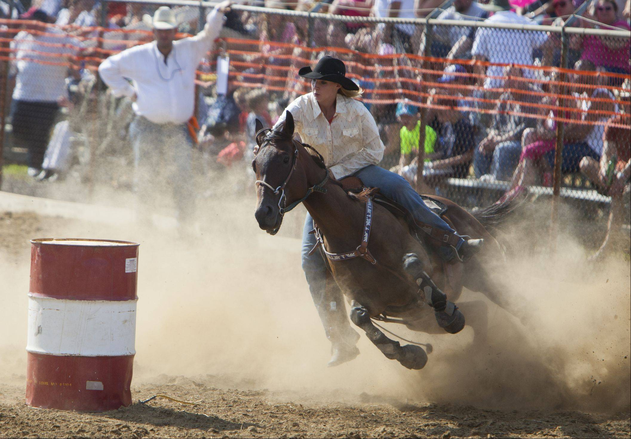 Bronco busters entertain crowds at 49th annual Wauconda rodeo